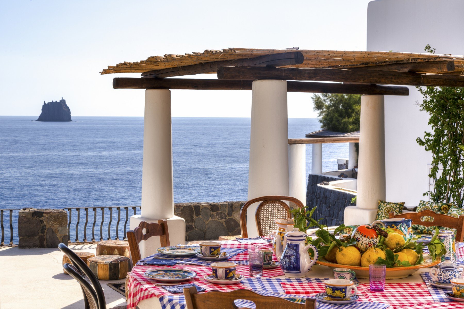 Additional photo for property listing at Fashion glamour at the heart of the Mediterranean Stromboli Stromboli, Messina 98050 Italien