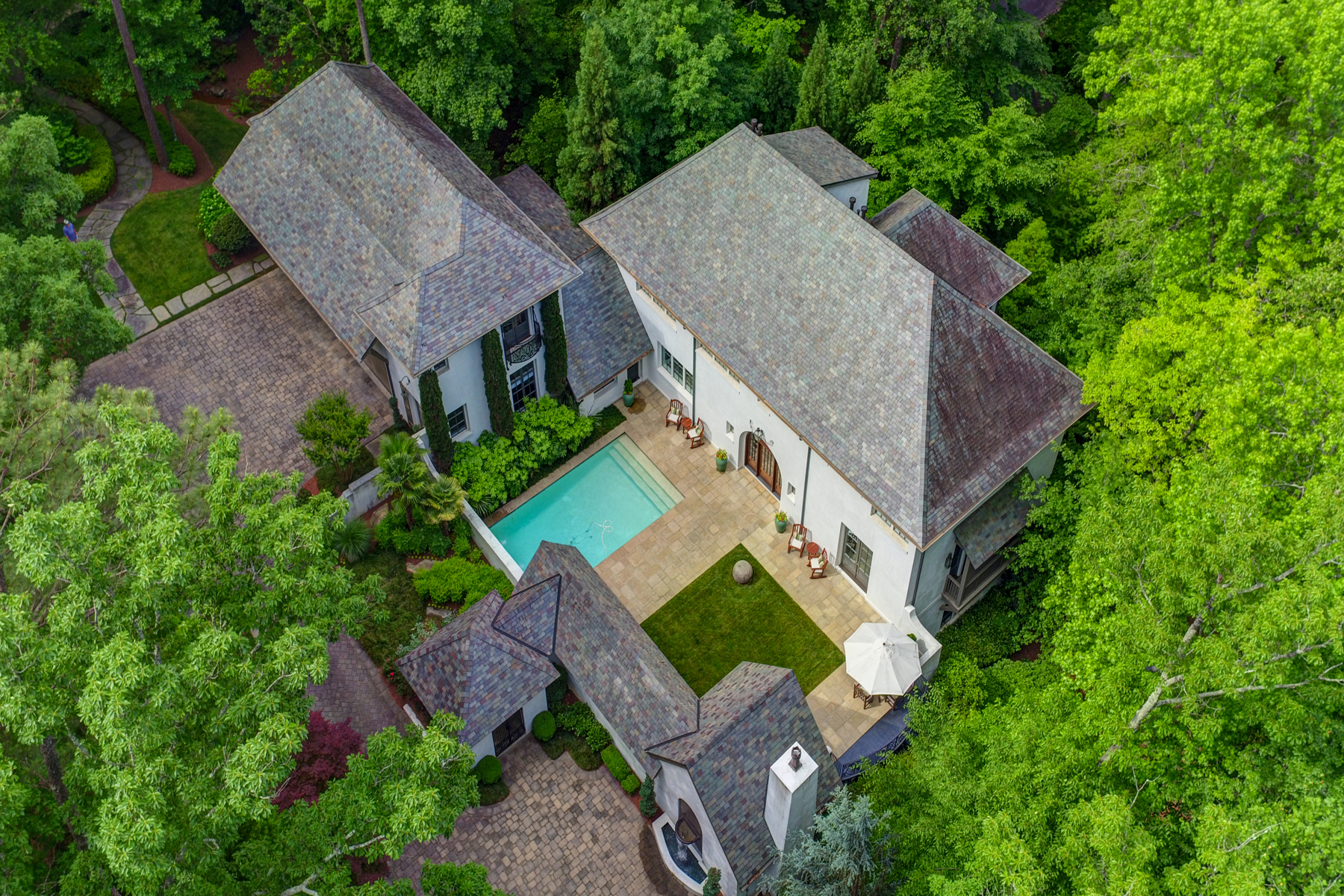 Additional photo for property listing at Captivating European Private Gated Estate 5229 Riverview Road NW Atlanta, Georgia 30327 Stati Uniti