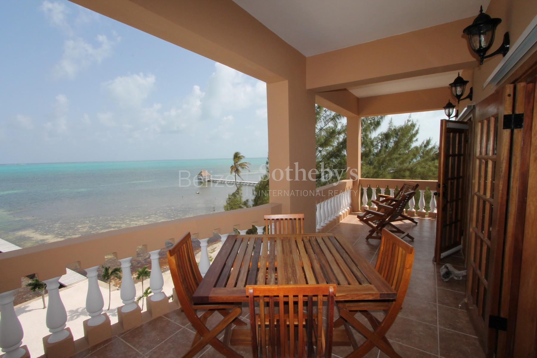 Additional photo for property listing at 4th Floor Luxury Penthouse Located at Hol Chan Reef Resort!!! San Pedro Town, Ambergris Caye Belize