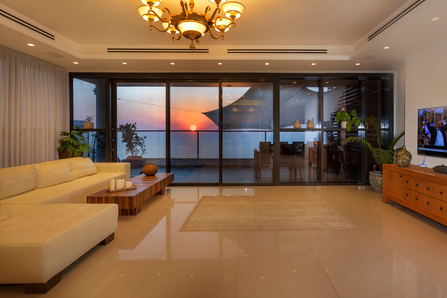 Appartement pour l Vente à Captivating Mini Penthouse with Panoramic Sea View Netanya, Israel Israël
