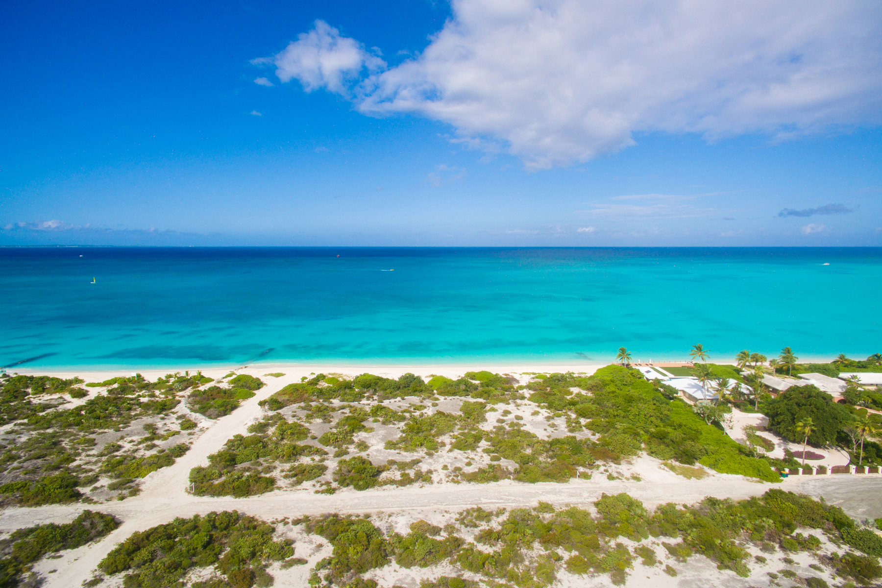 Additional photo for property listing at BEACH ENCLAVE GRACE BAY Design B Beachfront Grace Bay, Providenciales TCI Turks And Caicos Islands