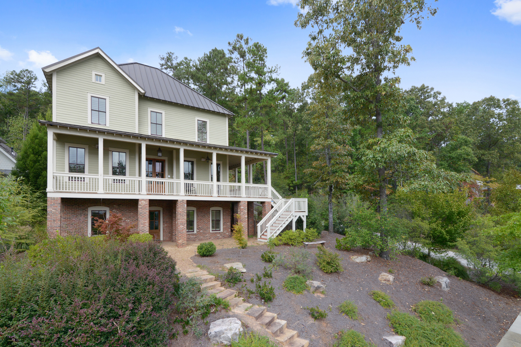 Additional photo for property listing at Upscale Serenbe Farmhouse-Style Home 10723 Serenbe Lane Chattahoochee Hills, 조지아 30268 미국
