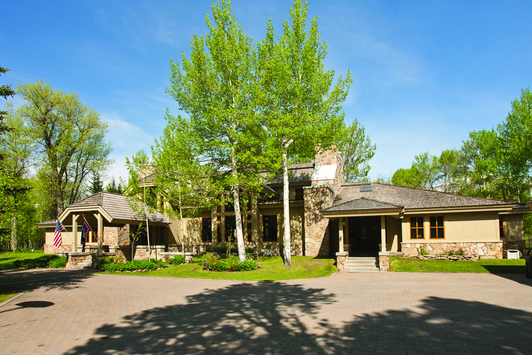 獨棟家庭住宅 為 出售 在 Five Minutes from Teton Village 2775 Yellowbell Circle Wilson, 懷俄明州, 83014 Jackson Hole, 美國
