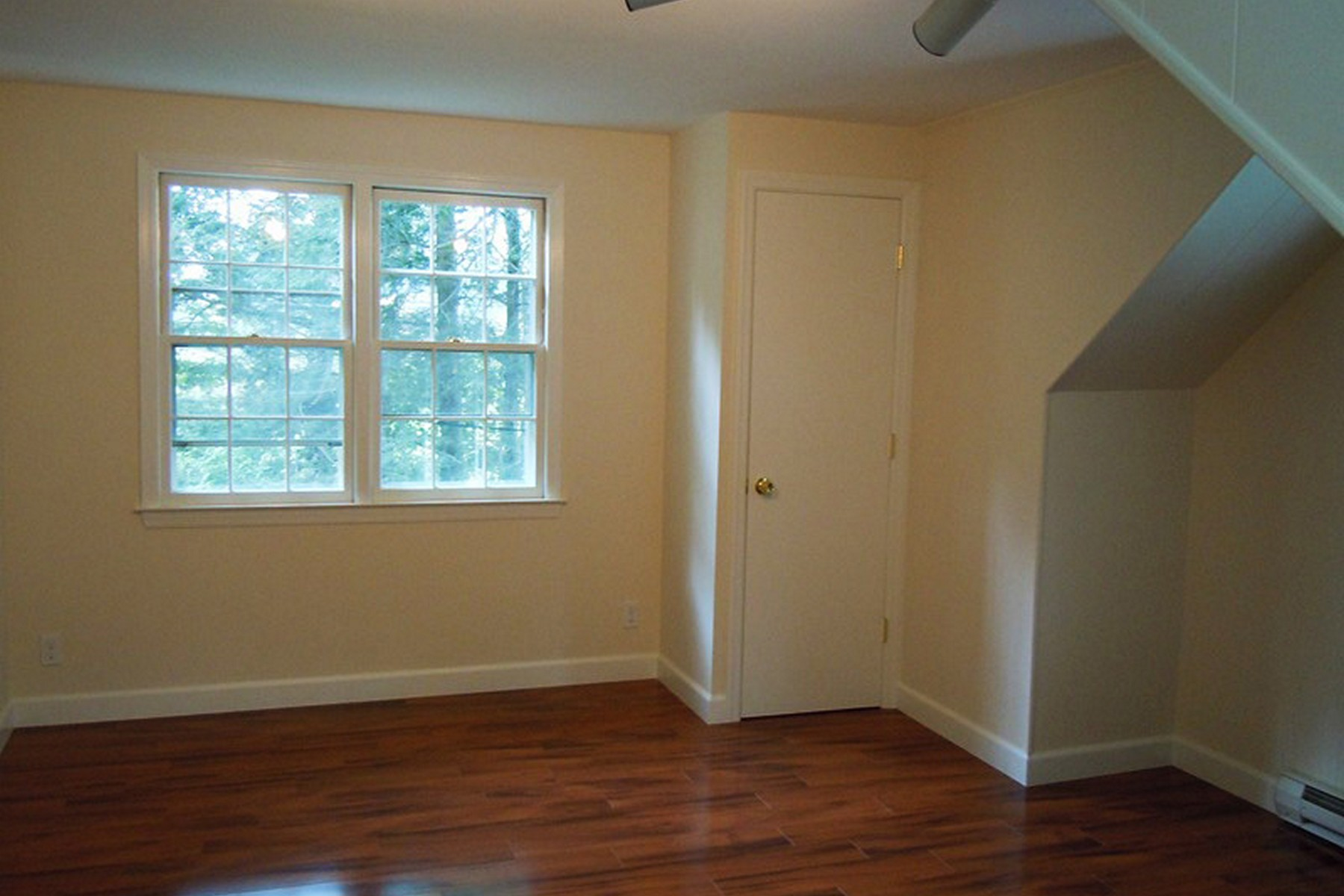 Additional photo for property listing at Carriage House Rental 9-a Oregon Rd Unit A Bedford Corners, New York 10549 United States