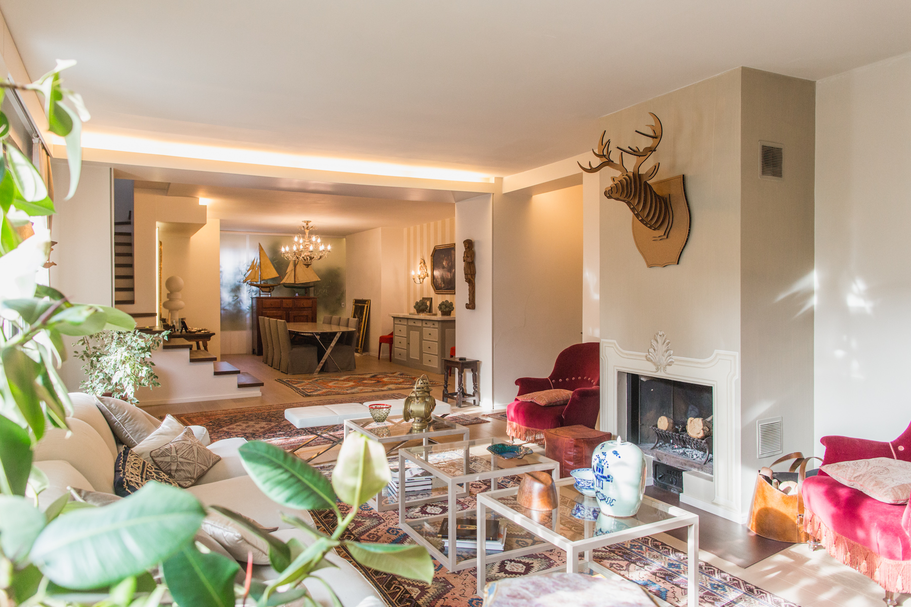 Additional photo for property listing at Refined apartment in the pre-hill of Turin Via Luisa del Carretto Torino, Turin 10131 Italie