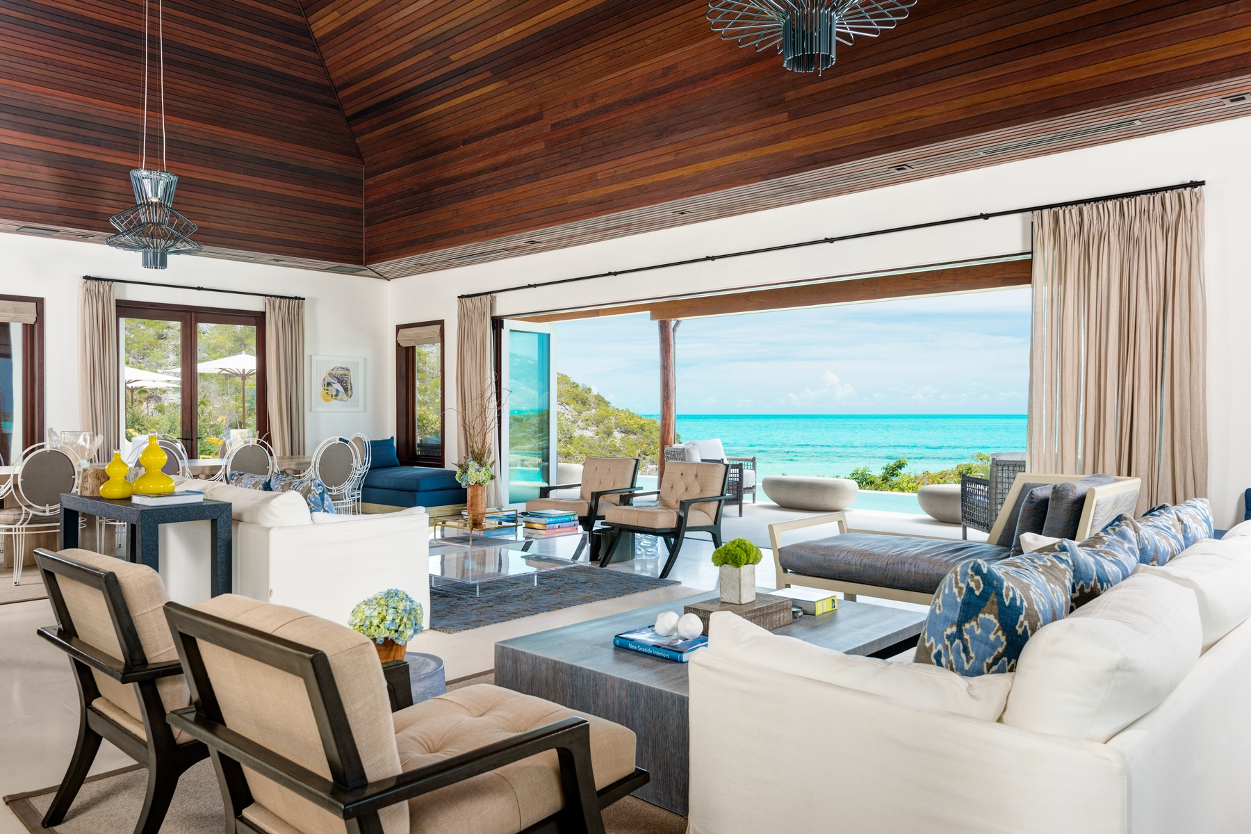 Additional photo for property listing at Turtle Tail Estate Beachfront Turtle Tail, Providenciales TCI Îles Turques Et Caïques