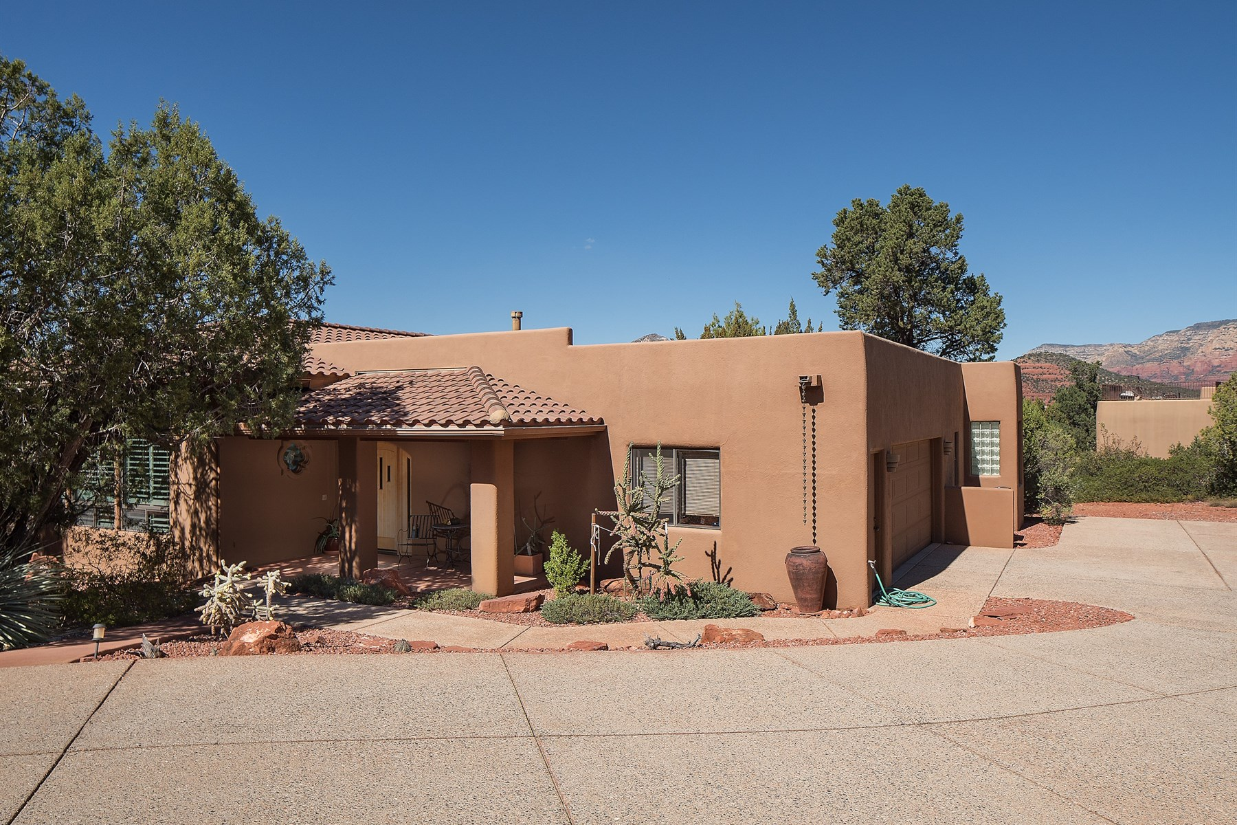 Single Family Home for Sale at Lovely home secluded in upscale Mystic Hills 88 Chapel Rd #40 Sedona, Arizona, 86336 United States