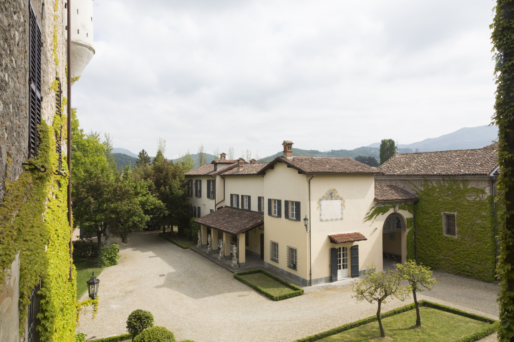 Additional photo for property listing at Timeless medieval castle surrounded by green Borghetto Borbera, Alessandria Italy