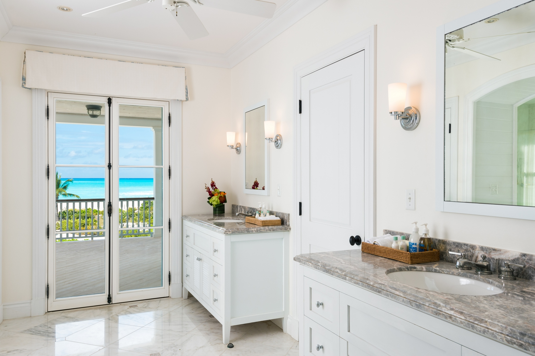 Additional photo for property listing at Amazing Grace   Vacation Rental Beachfront 格蕾斯湾, 普罗维登夏 TCI BWI 特克斯和凯科斯群岛