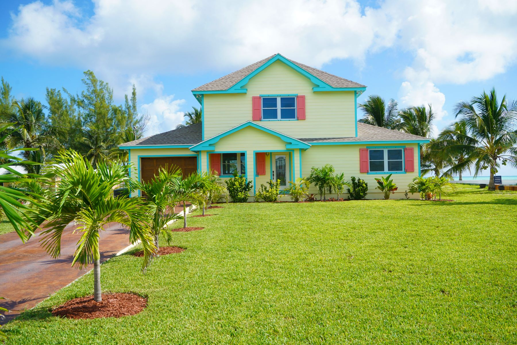 Maison unifamiliale pour l Vente à Seas the Day - Beachfront Spanish Wells, Eleuthera Bahamas