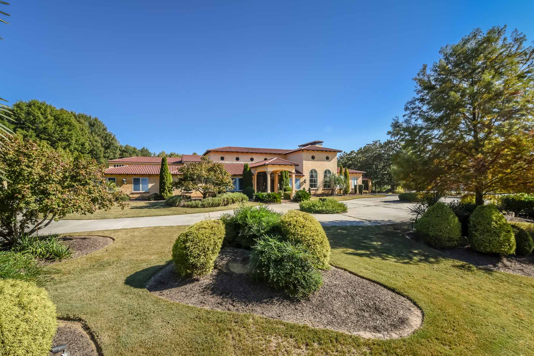 Villa per Affitto alle ore Mediterranean Luxury 9440 Riverclub Parkway Johns Creek, Georgia 30097 Stati Uniti