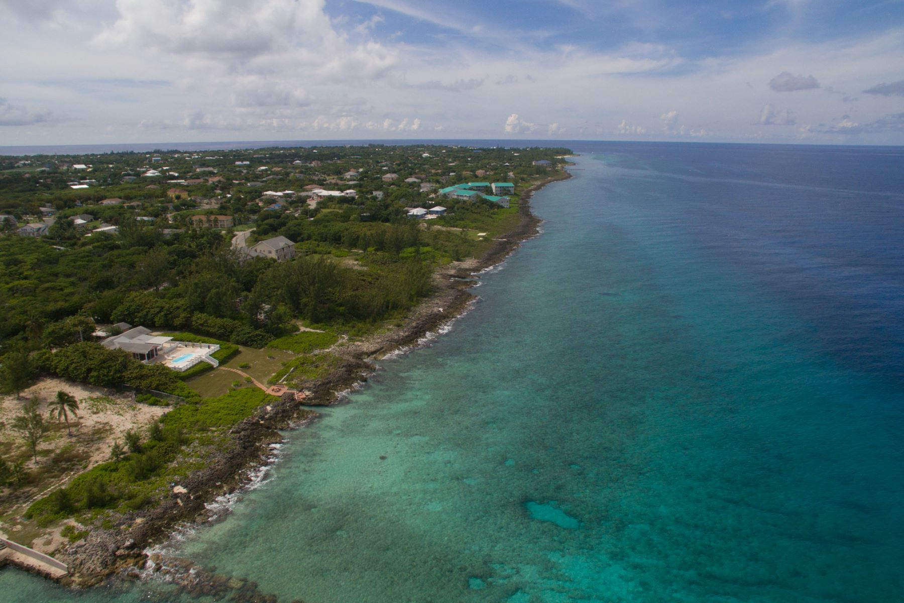 Additional photo for property listing at Spanish Bay oceanfront land Spanish Bay Land Conch Point Rd West Bay, Gran Caimán KY1 Islas Caimán