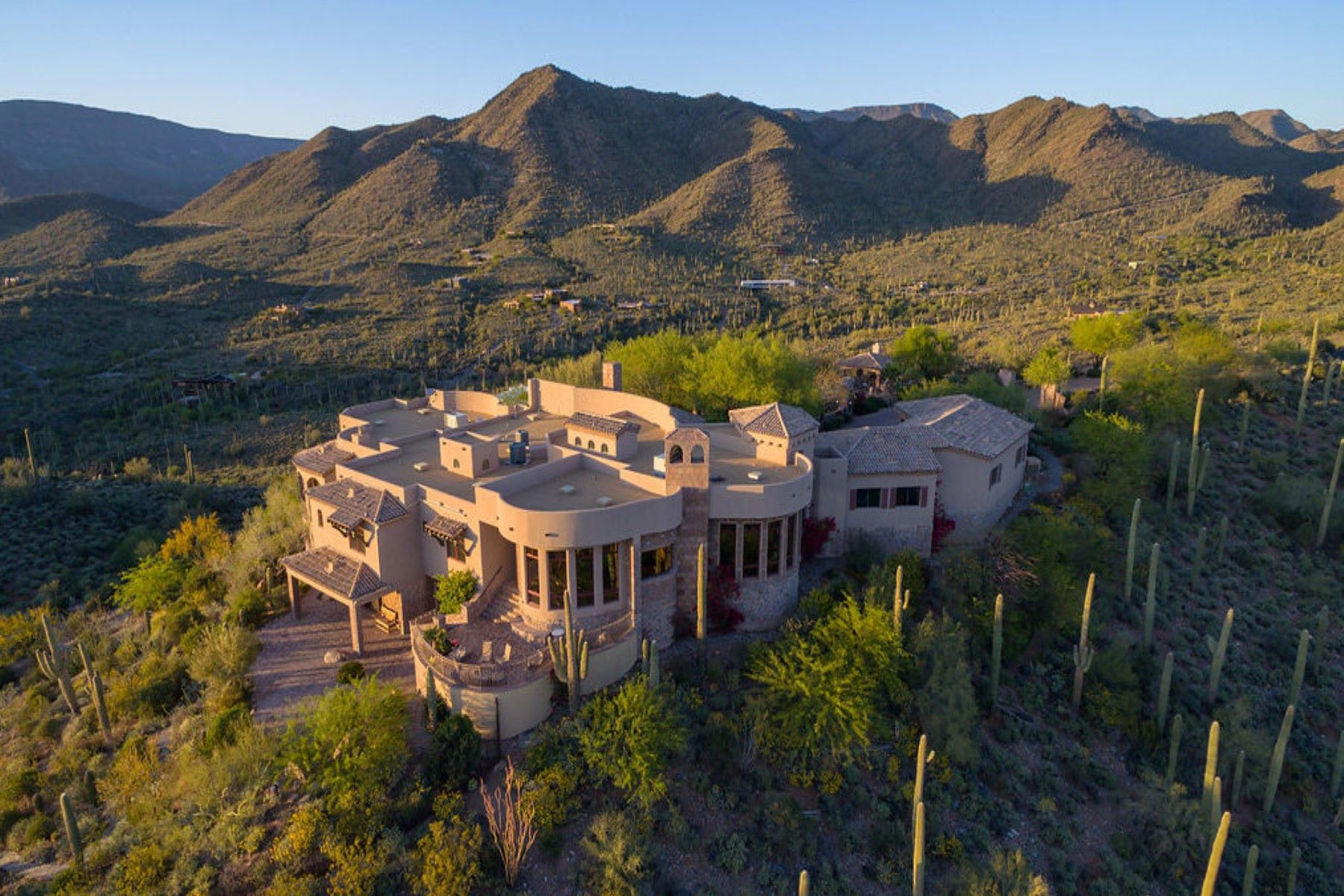 Villa per Vendita alle ore Phoenix area's most secluded and private gated mountaintop estate 42820 N Fleming Springs Rd Cave Creek, Arizona, 85331 Stati Uniti
