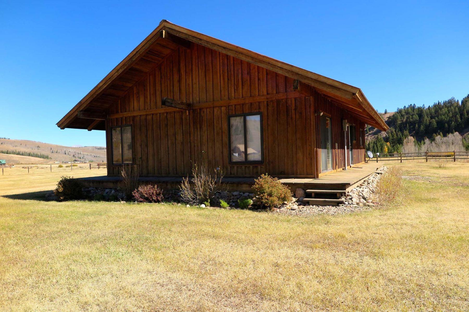 Vivienda unifamiliar por un Venta en Upper Hoback Cabin 715 Upper Hoback Road Bondurant, Wyoming, 82922 Jackson Hole, Estados Unidos