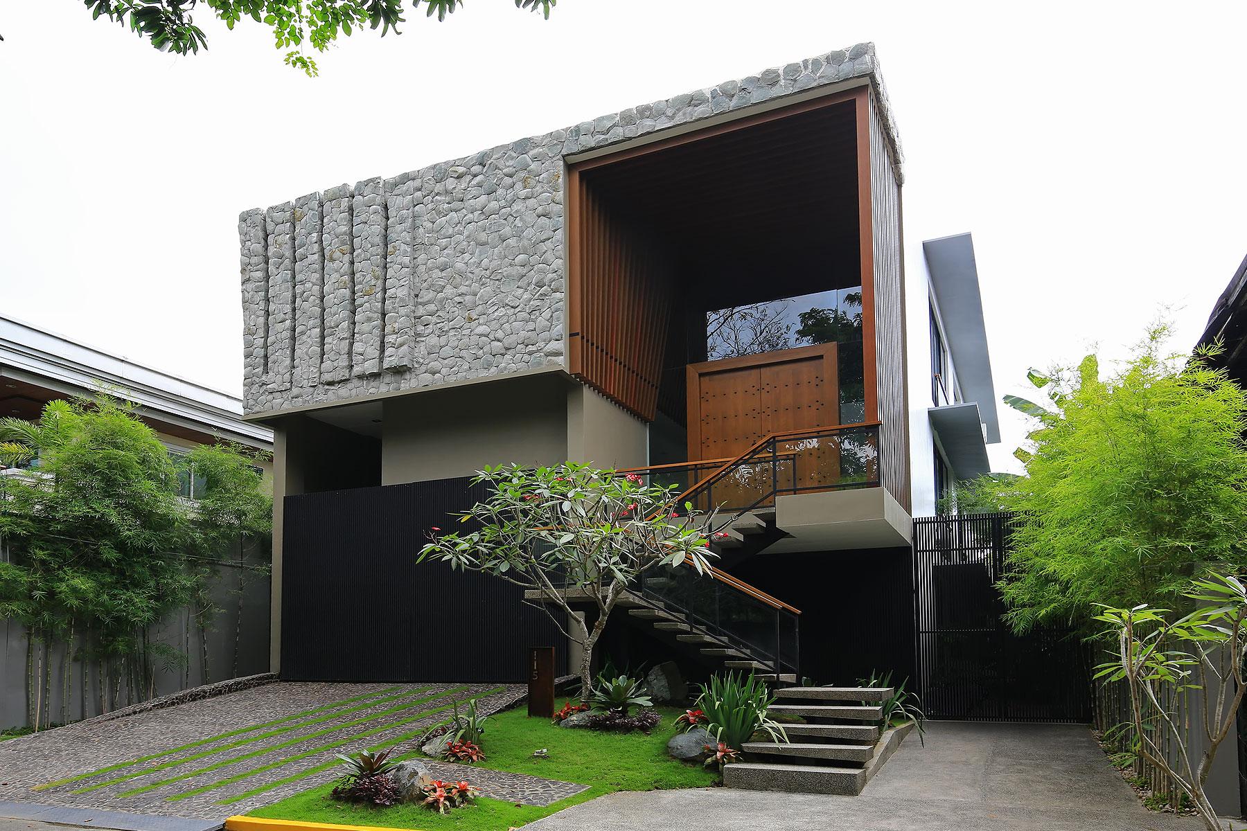 一戸建て のために 売買 アット Artistic Modern Magallanes Village Property 115 Victoria St. Magallanes Village Makati, Luzon 1321 フィリピン
