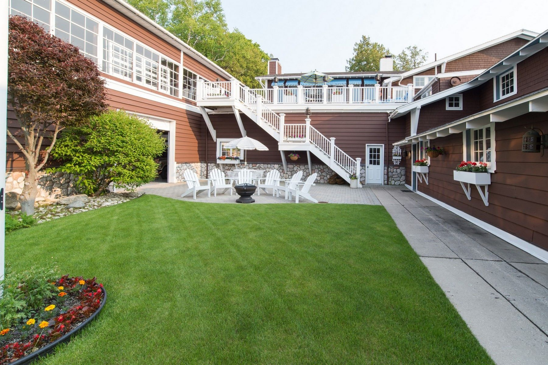 Additional photo for property listing at 313 and 315 Belvedere Avenue  Charlevoix, Michigan 49720 United States