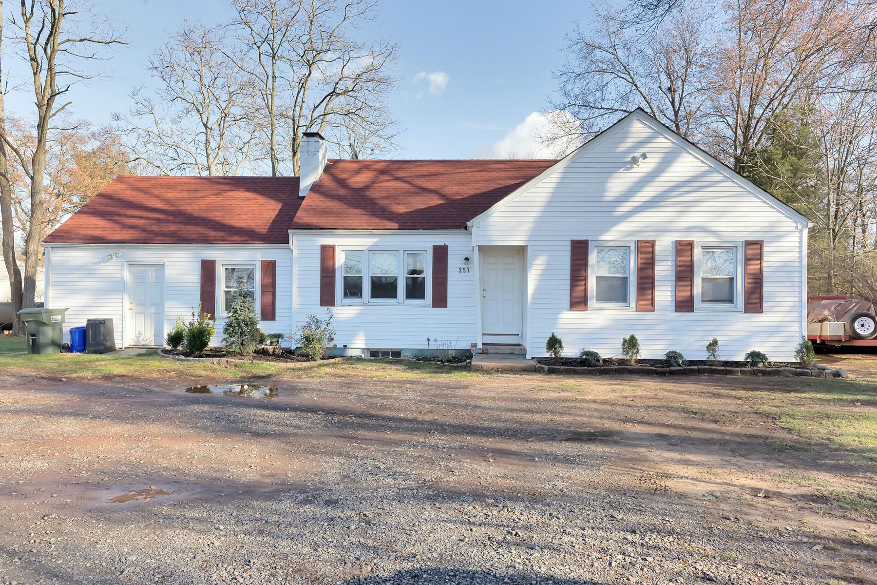 Casa Unifamiliar por un Venta en 257 US-206 N Hillsborough, Nueva Jersey 08844 Estados Unidos
