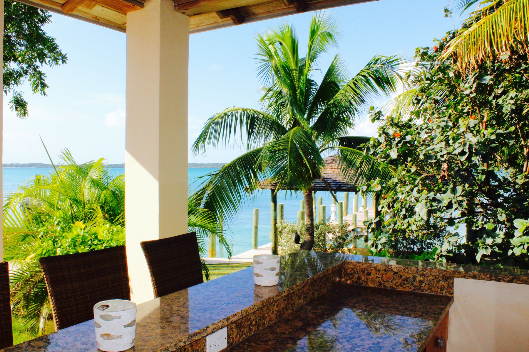 Additional photo for property listing at Buttonwood Harbour Estate Harbour Island, Eleuthera Bahamas