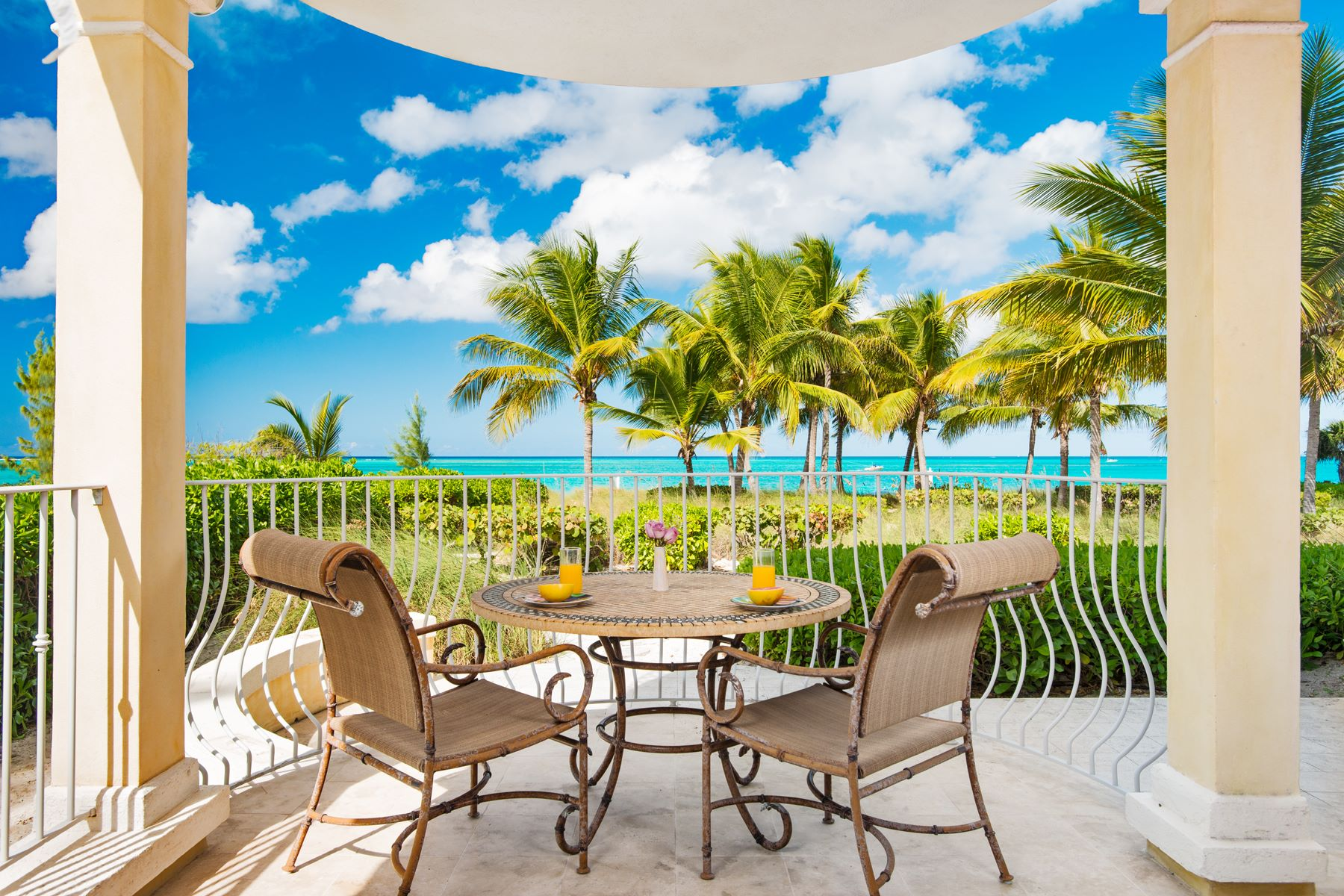 Additional photo for property listing at Villa Renaissance - Suite 101 Villa Renaissance, Grace Bay, Providenciales Îles Turques Et Caïques