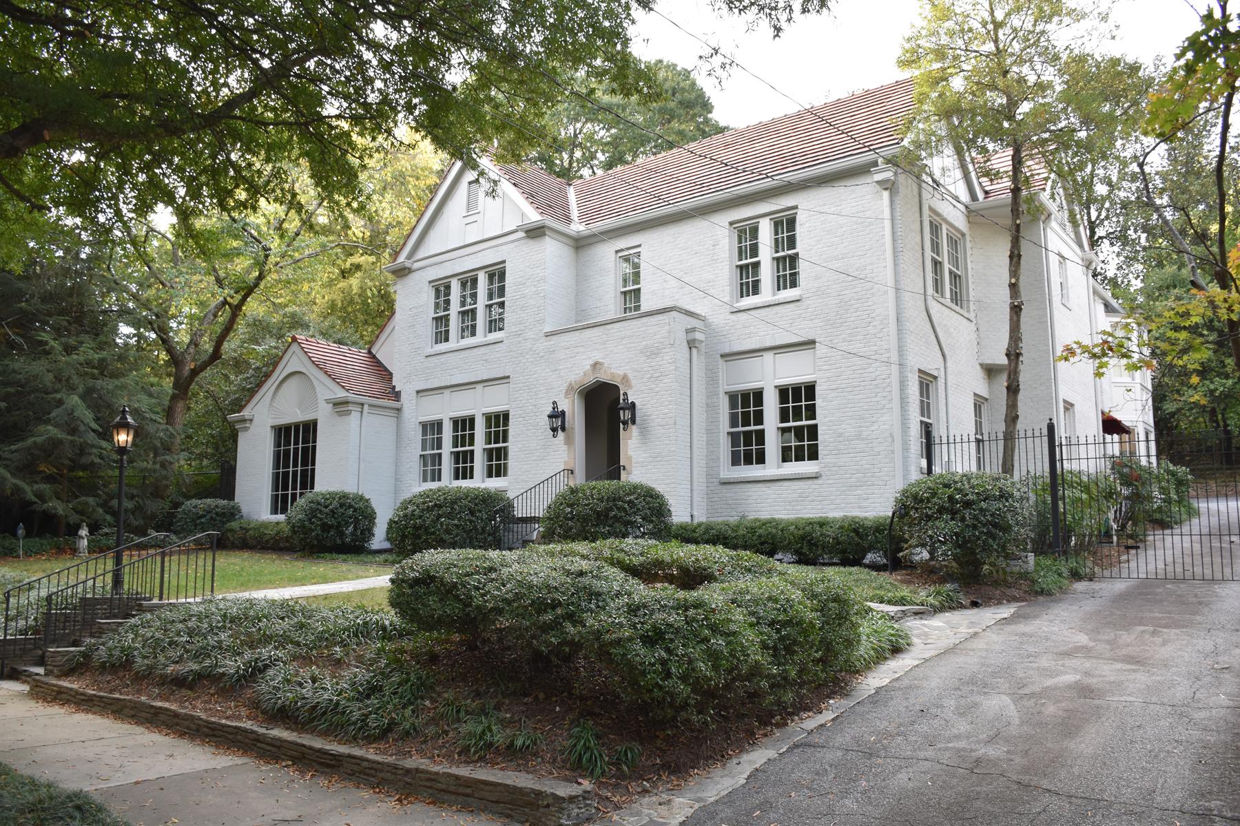 独户住宅 为 销售 在 Historic Buckhead Hallmark 44 Wakefield Drive NE Brookwood Hills, 亚特兰大, 乔治亚州, 30309 美国