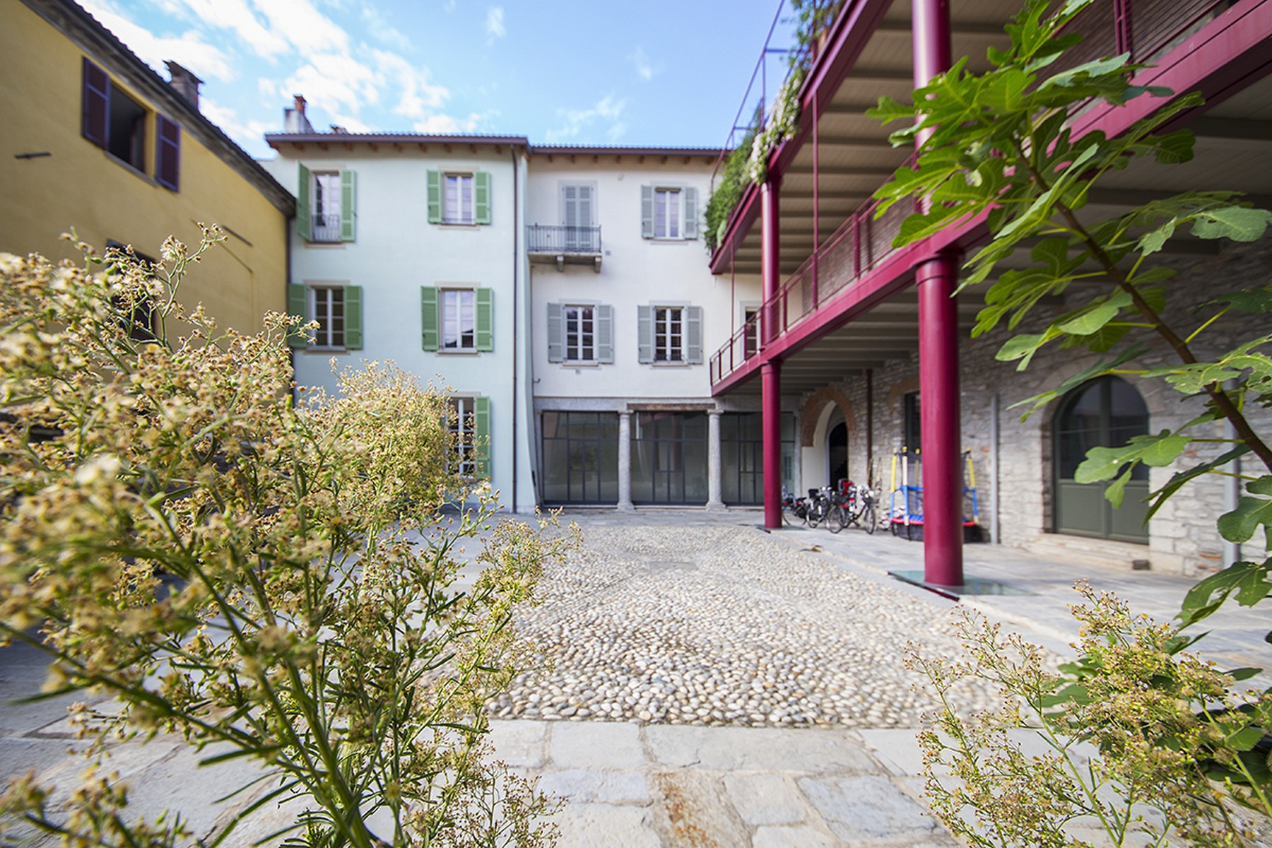 Apartamento por un Alquiler en Newly built apartment in the historic center of Como Via Cinque Giornate Como, Como 22100 Italia
