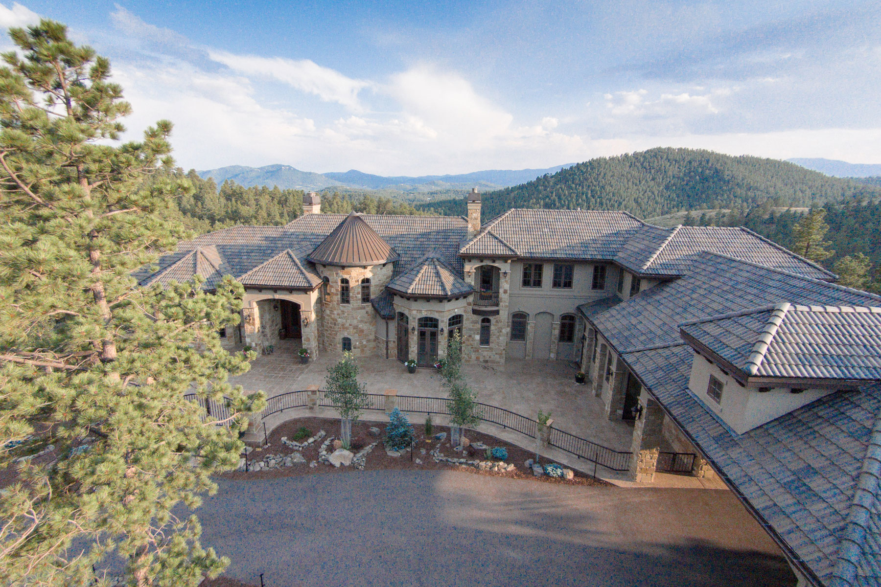 Maison unifamiliale pour l Vente à 1295 Silver Rock Lane Evergreen, Colorado, 80439 États-Unis