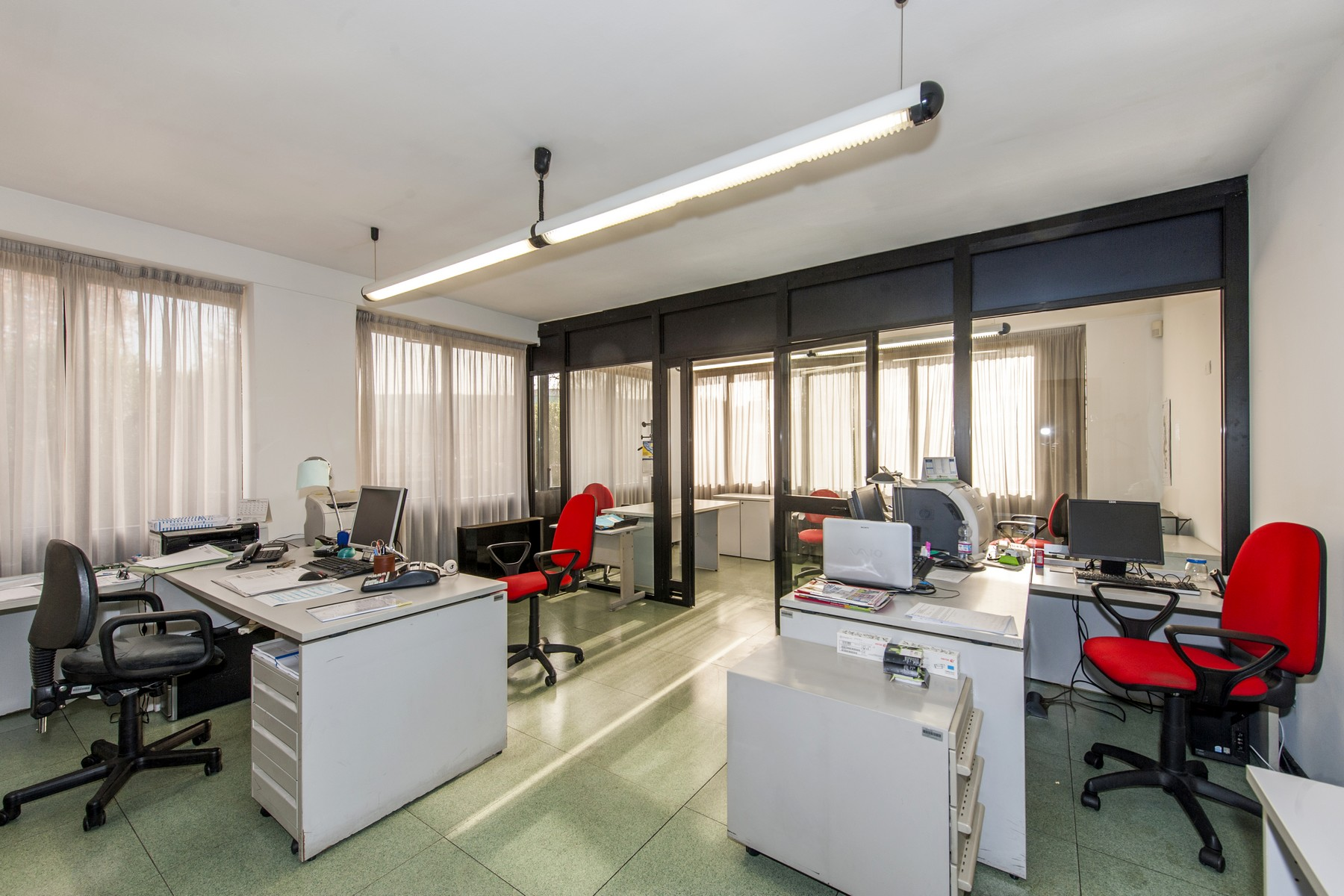 Additional photo for property listing at Commercial building with offices, warehouse and guesthouse Rome, Rome Italy