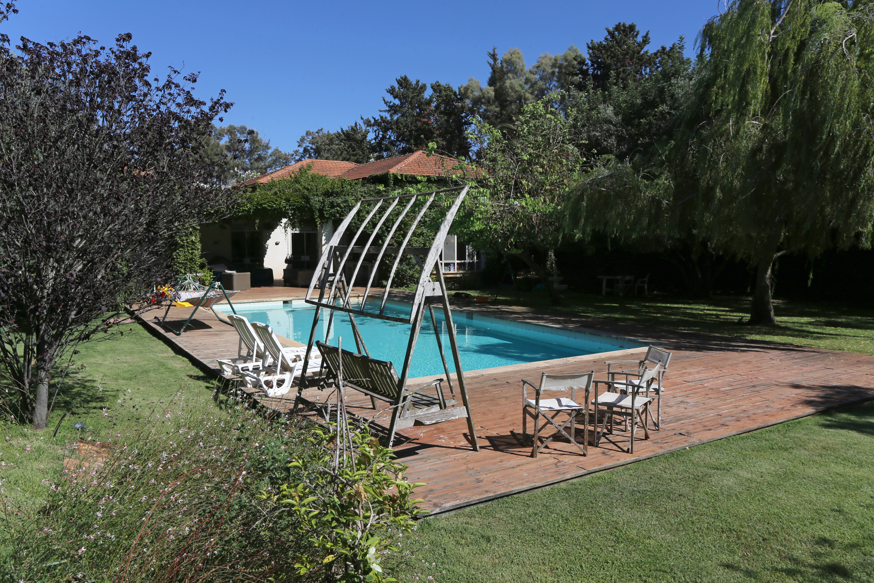 Additional photo for property listing at Enormously Large Exquisite Estate Near Tel Aviv    4691500 Israel