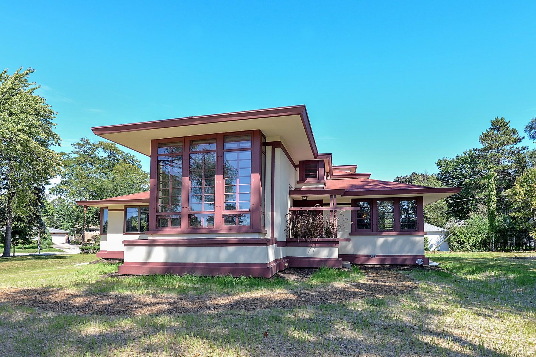Maison unifamiliale pour l Vente à The House That Moved 2771 Crawford Avenue Evanston, Illinois, 60201 États-Unis