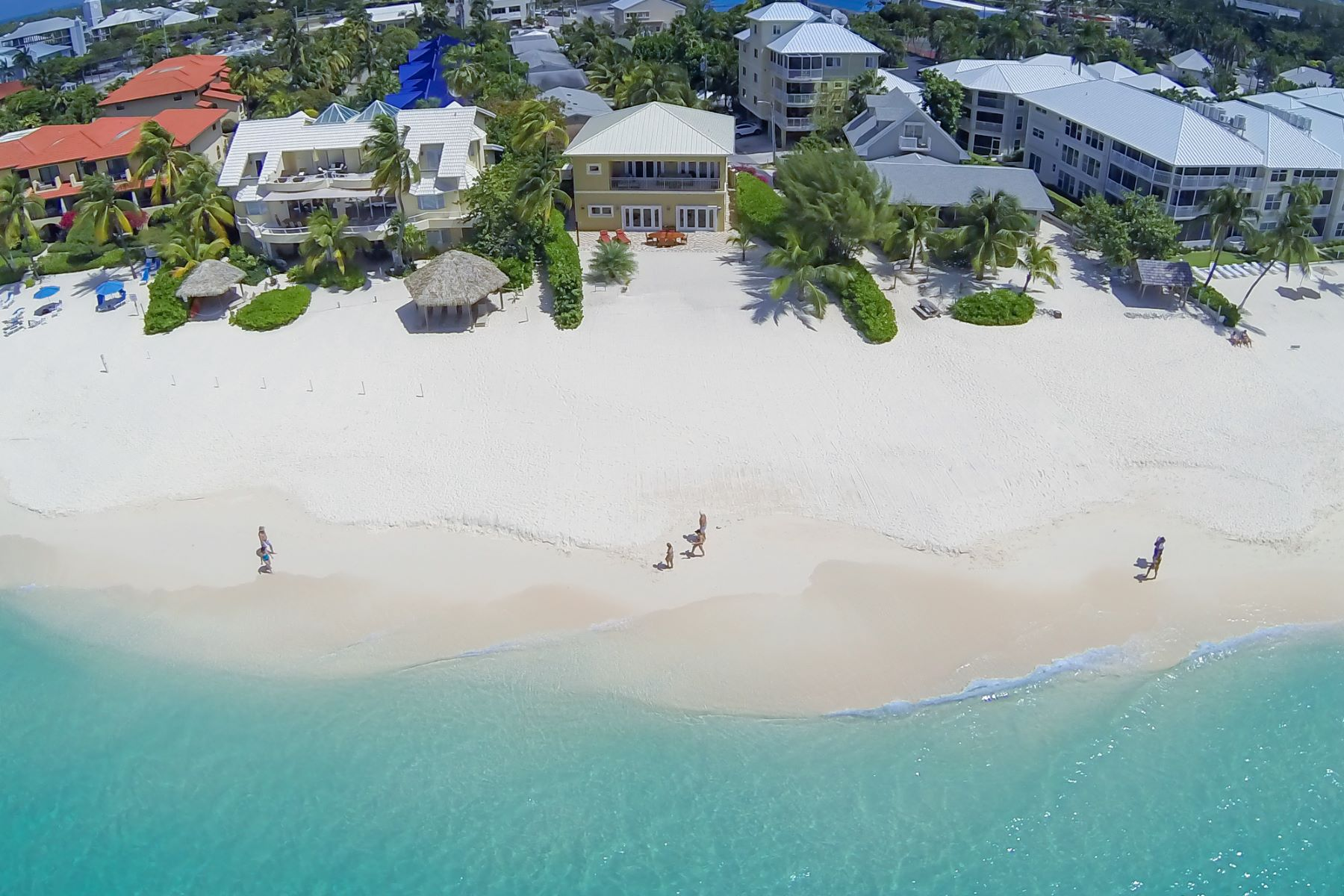 Single Family Home for Sale at Lizard Run Seven Mile Beach, Cayman Islands