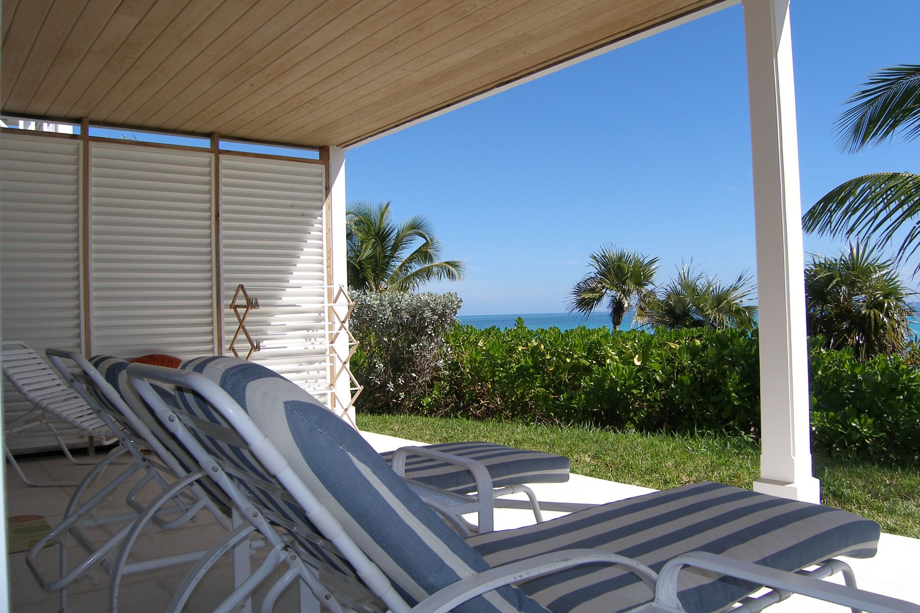 Additional photo for property listing at Windermere Beachfront Home Windermere Island, Eleuthera Bahamas