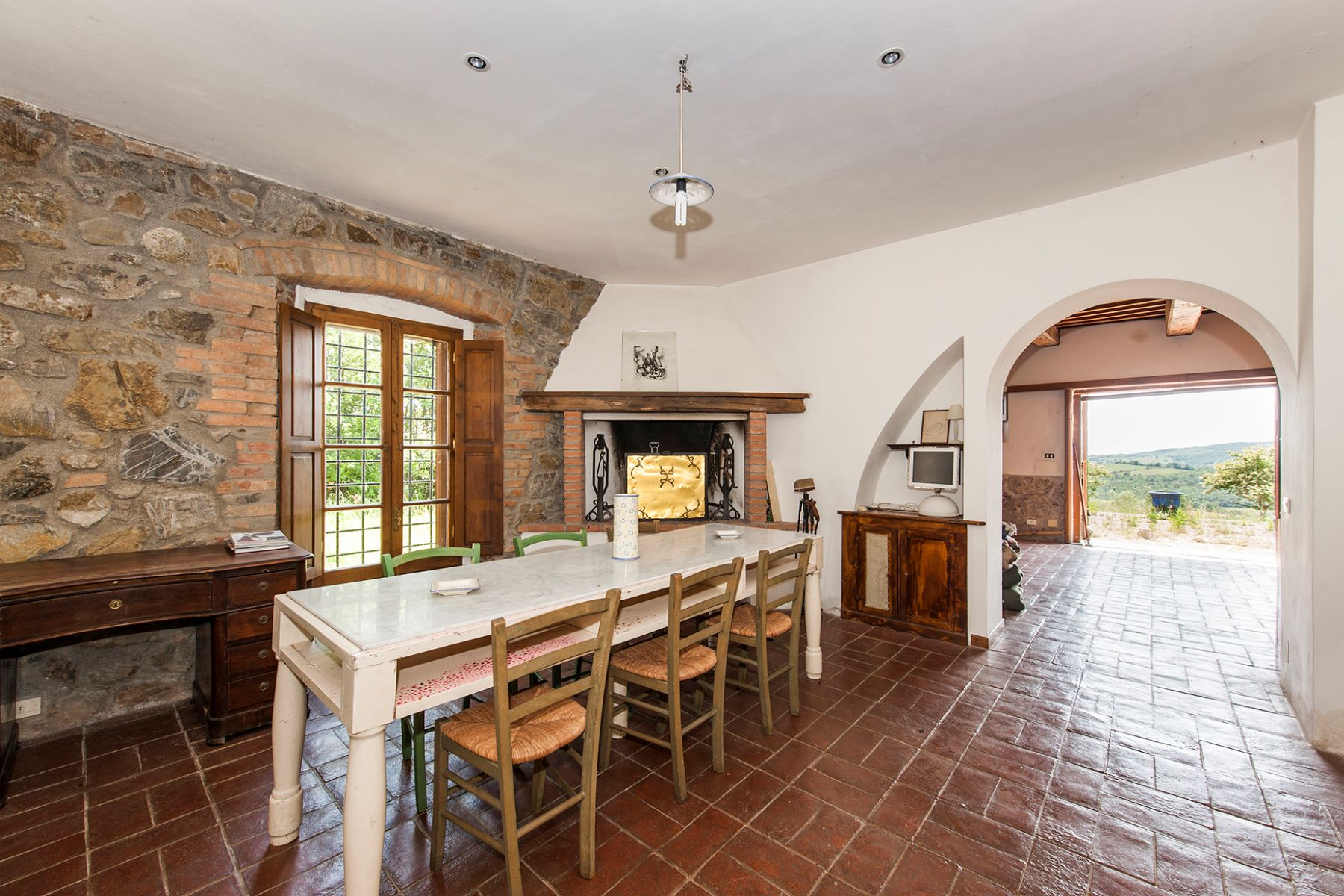 Additional photo for property listing at Panoramic farmhouse with a large agricultural estate Roccalbegna, Grosseto Italia