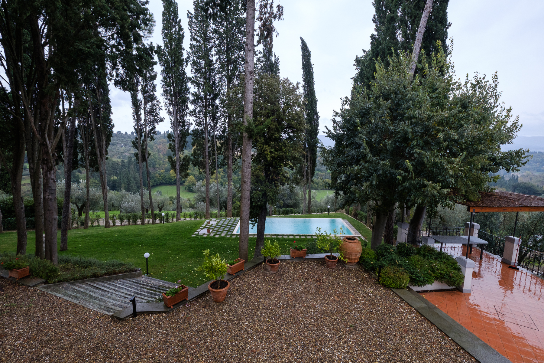 Additional photo for property listing at Magnificent Villa to rent near Florence Via Fattucchia Bagno A Ripoli, Florence 50012 Italy