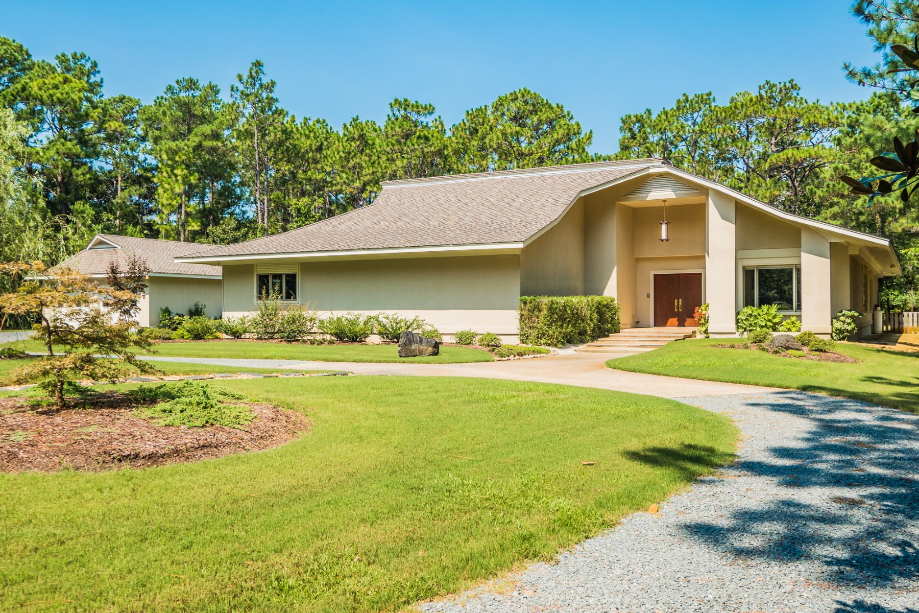 独户住宅 为 销售 在 Unique Contemporary Private Retreat 7211 Masonboro Sound Rd, 威明顿市, 北卡罗来纳州, 28409 美国