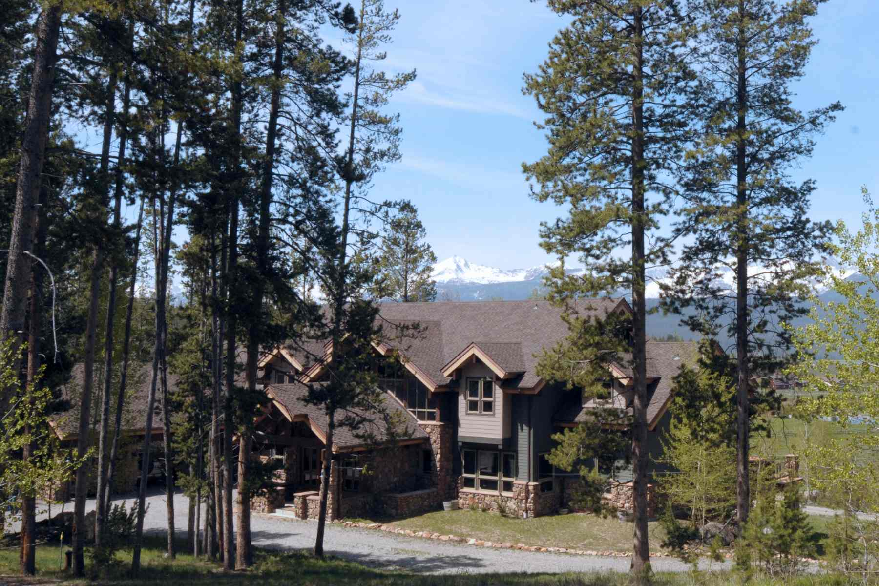 Additional photo for property listing at Elegant Sawtooth Home 300 Decker View Ln Stanley, Idaho 83278 United States