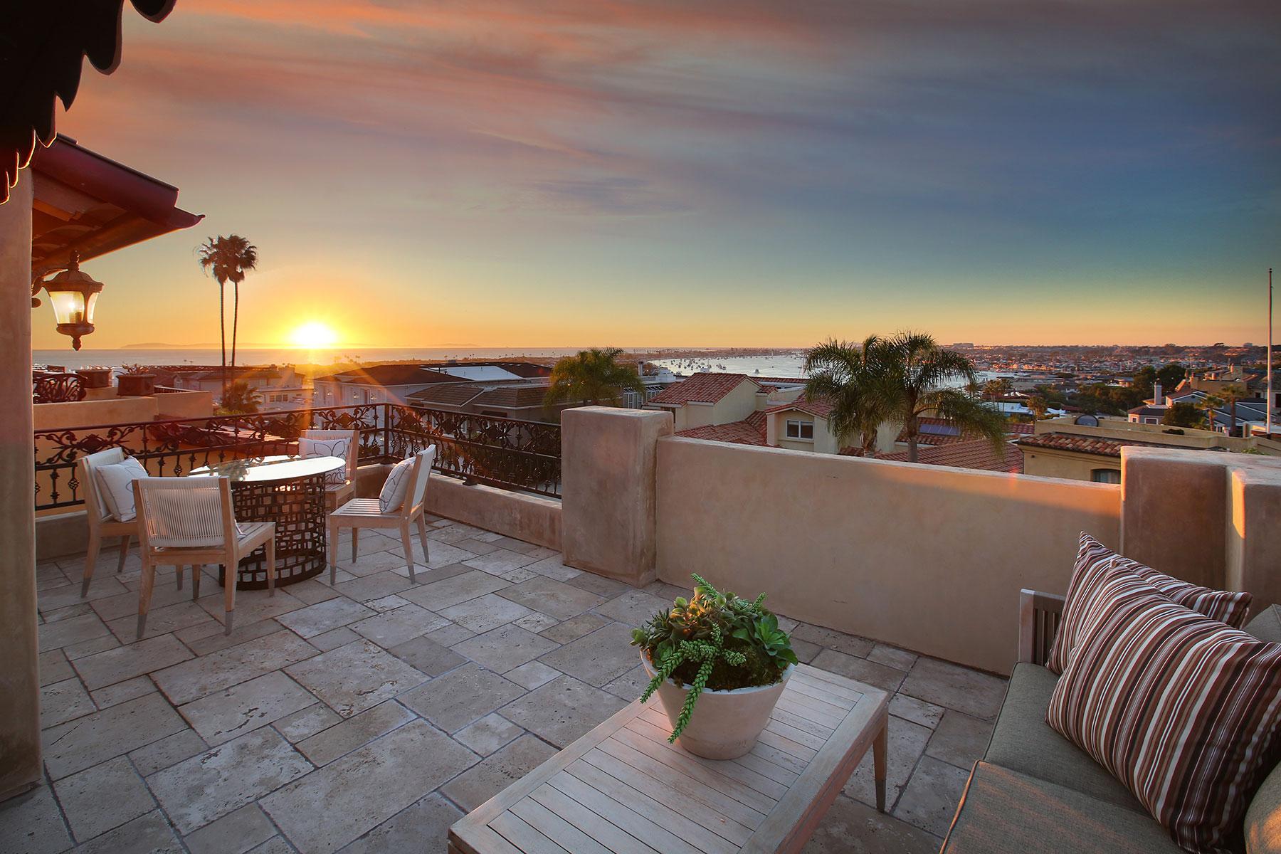 Casa para uma família para Venda às 312 Carnation Corona Del Mar, Califórnia, 92625 Estados Unidos