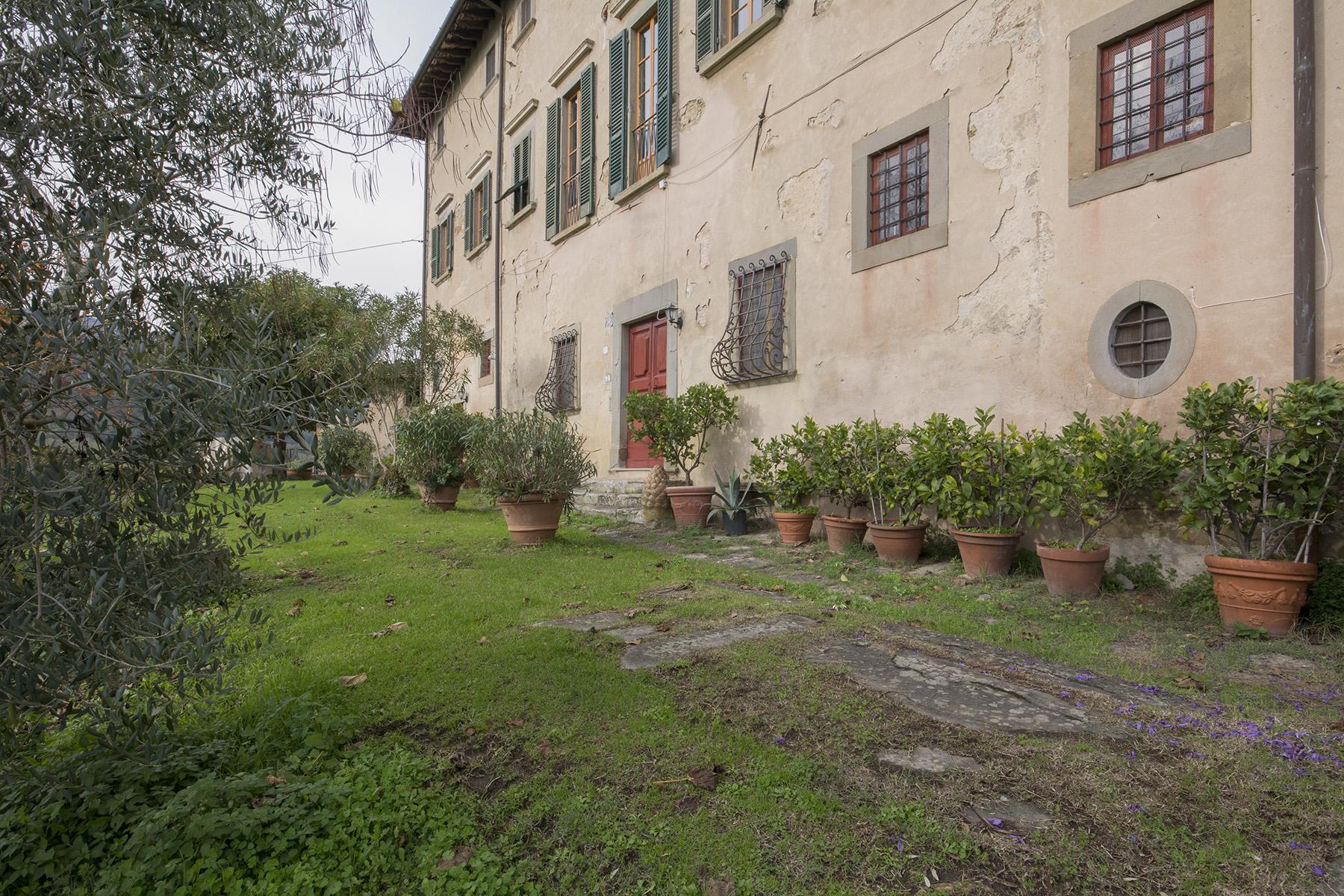 Additional photo for property listing at Merveilleuse appartement dans la campagne Toscane Via San Vito Pistoia, Pistoia 51100 Italie