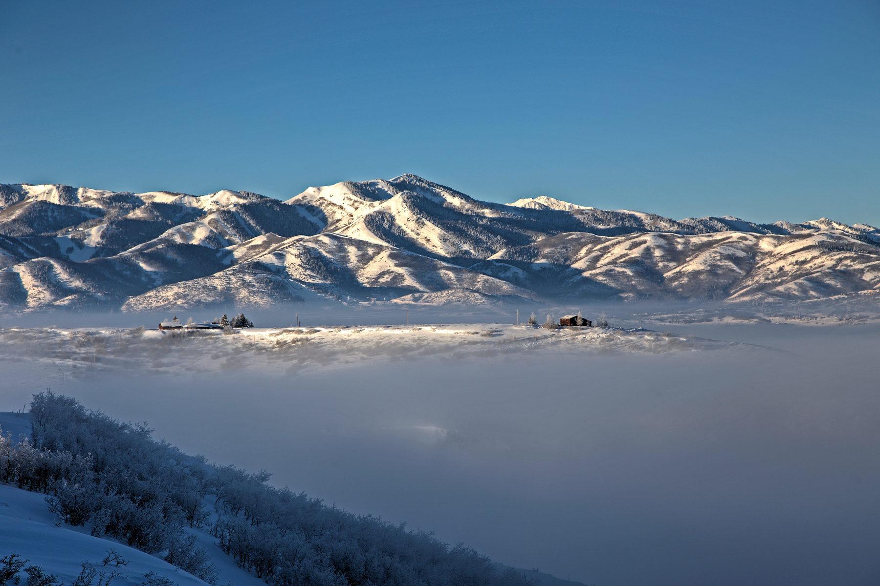 Terreno para Venda às Great lot with views! 2143 E Canyon Gate Rd Park City, Utah, 84098 Estados Unidos