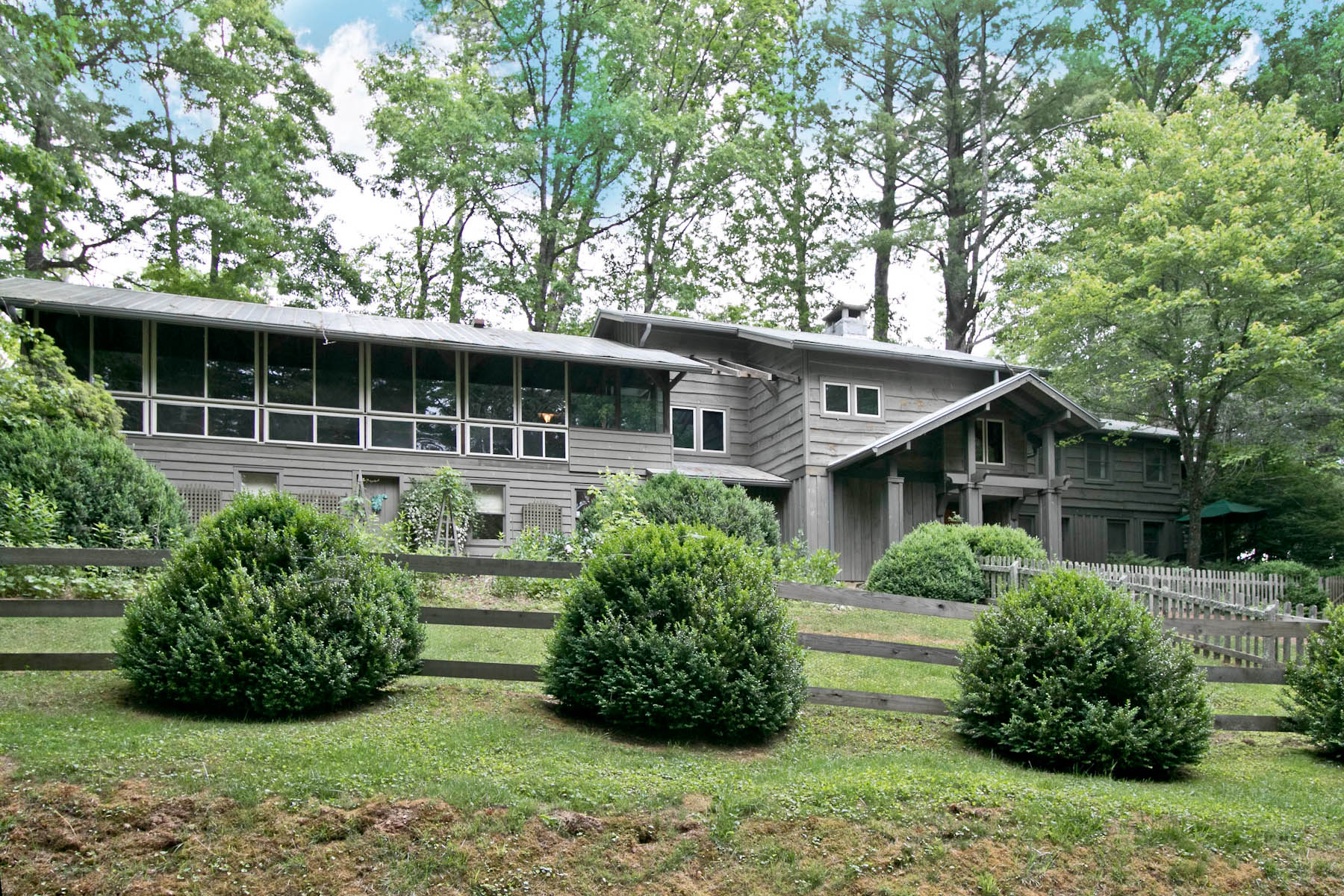 Single Family Home for Sale at Golf Course Views! 1254 Cobb Road Highlands, North Carolina, 28741 United States