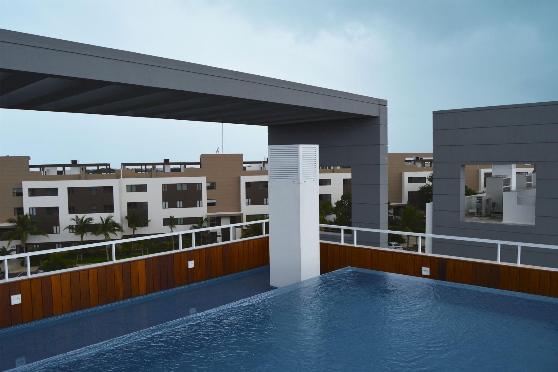 Additional photo for property listing at WHITE DIAMOND LUXURY CONDO Nick Price Lote 79, Mza 21, Region 04 Playa Del Carmen, Quintana Roo 77710 Mexico
