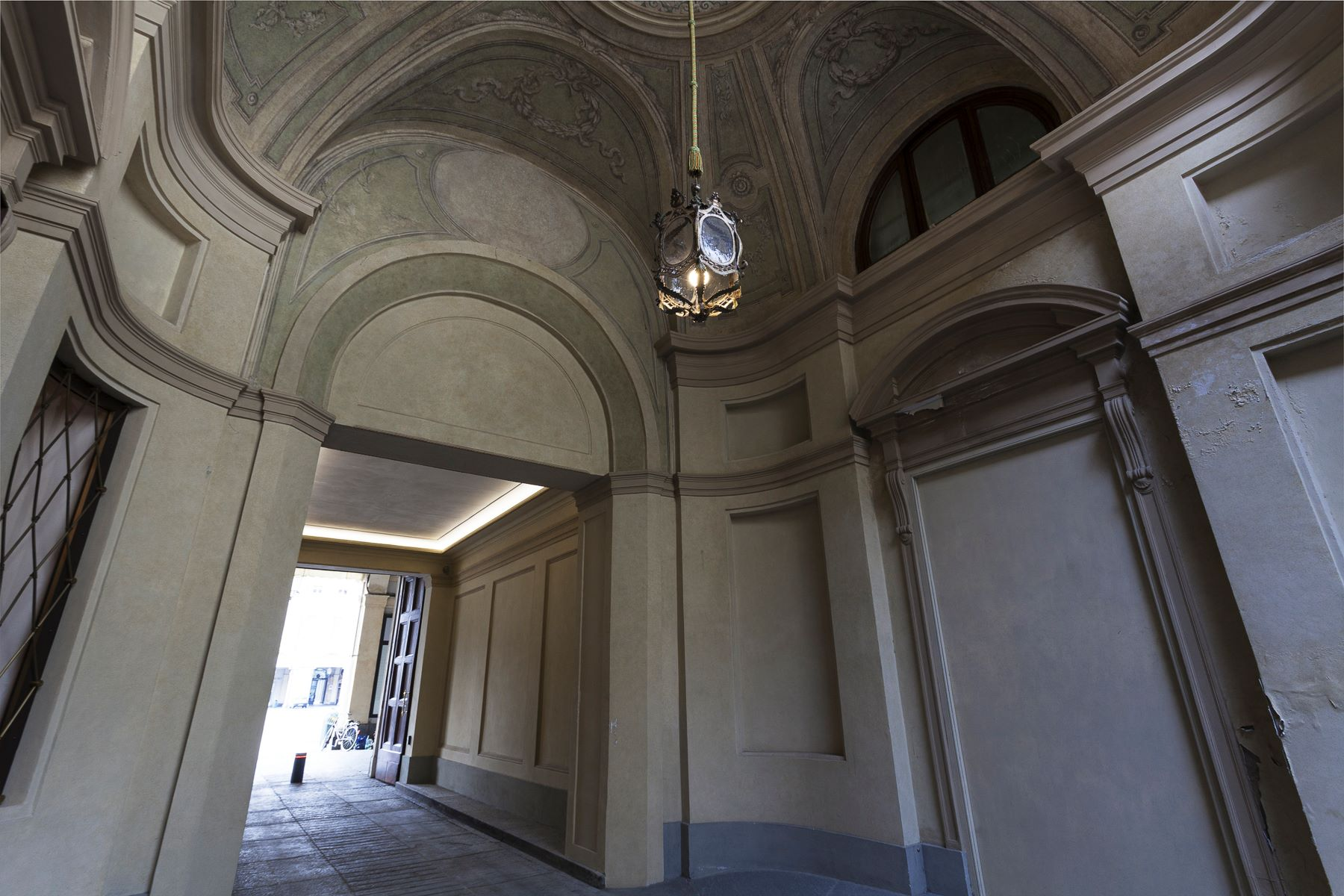 Additional photo for property listing at Exclusive Attic in Piazza San Carlo  Turin, Turin 10121 Italia