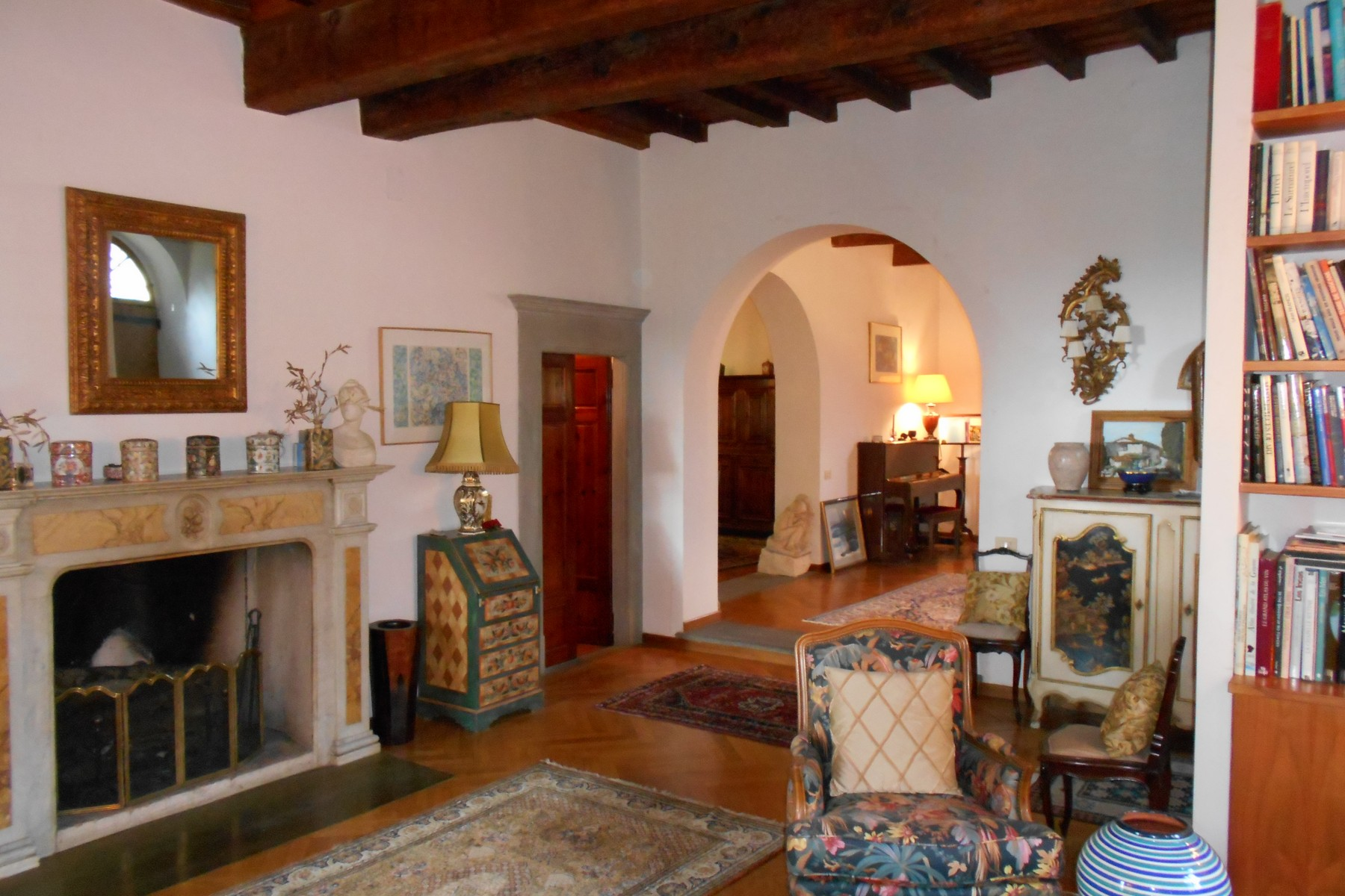 Additional photo for property listing at Beautiful villa with swimming pool with breathtaking view. Via Lonchio Antella Bagno A Ripoli, Florence 50012 Italien