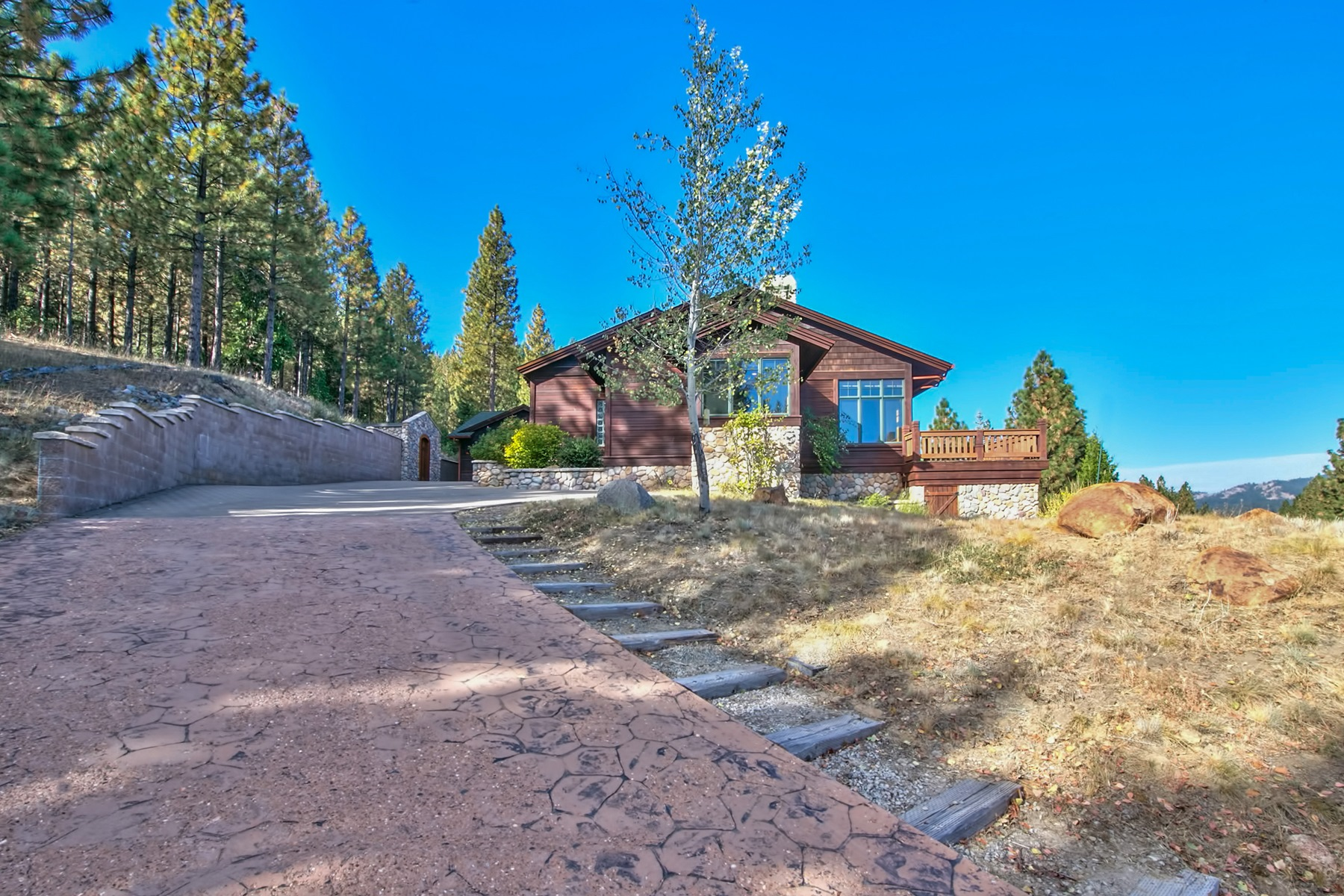 Additional photo for property listing at 759 Red Sky  Portola, California 96122 Estados Unidos