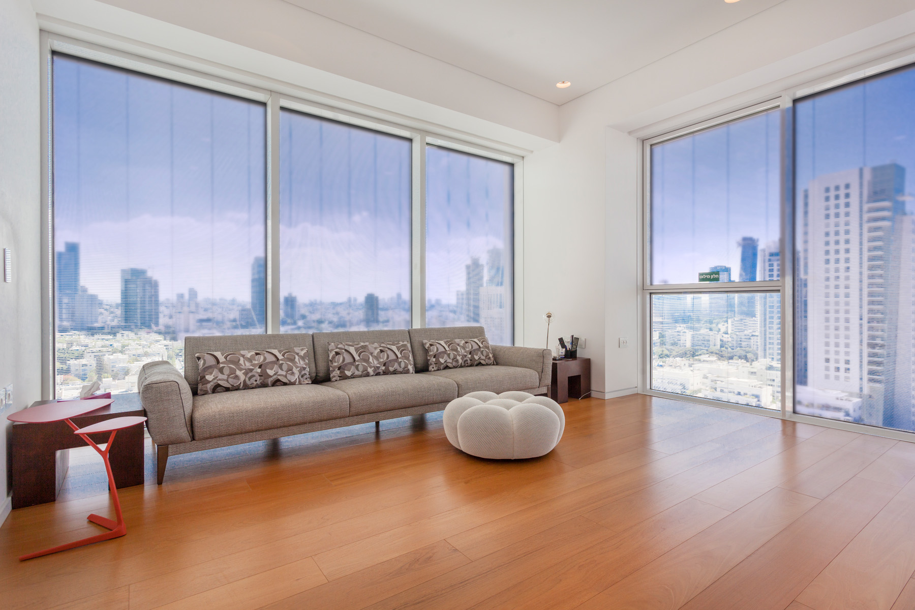 Additional photo for property listing at Modern Luxury Apartment With Incomparable Views Tel Aviv, Israel Israel