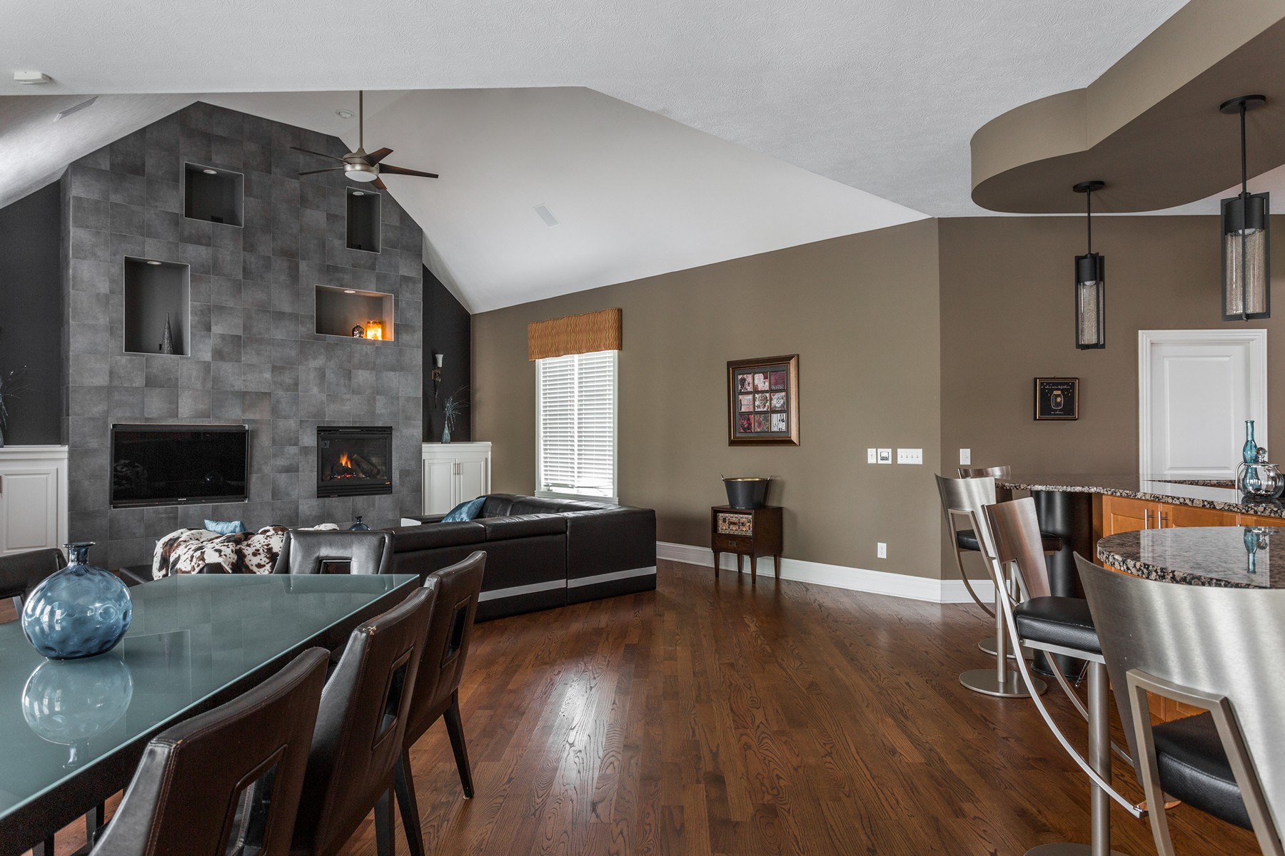 Additional photo for property listing at Private One Acre Estate 15149 Geist Ridge Drive Fishers, Indiana 46040 United States