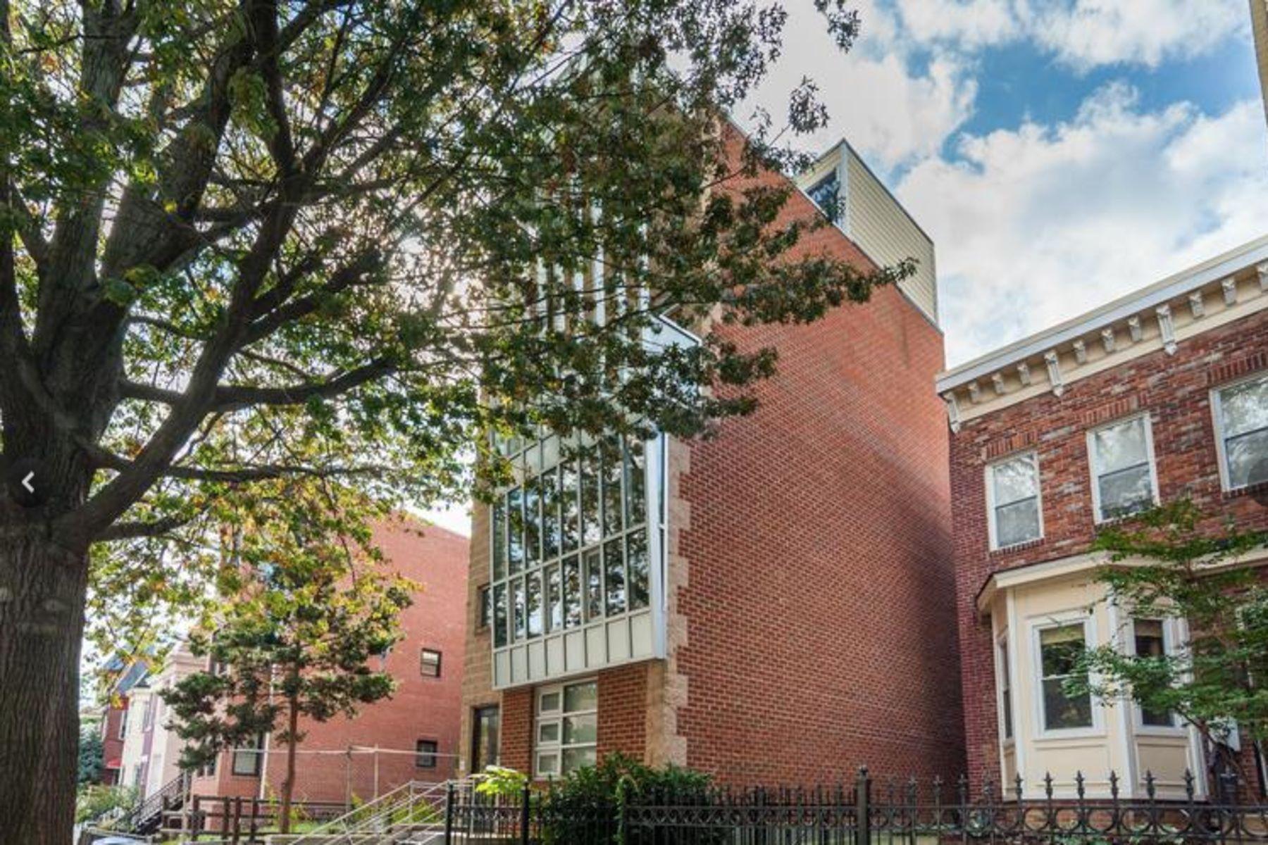 联栋屋 为 销售 在 Top Floor Loft in Shaw 1416 5th Street Nw 4 华盛顿市, 哥伦比亚特区, 20001 美国