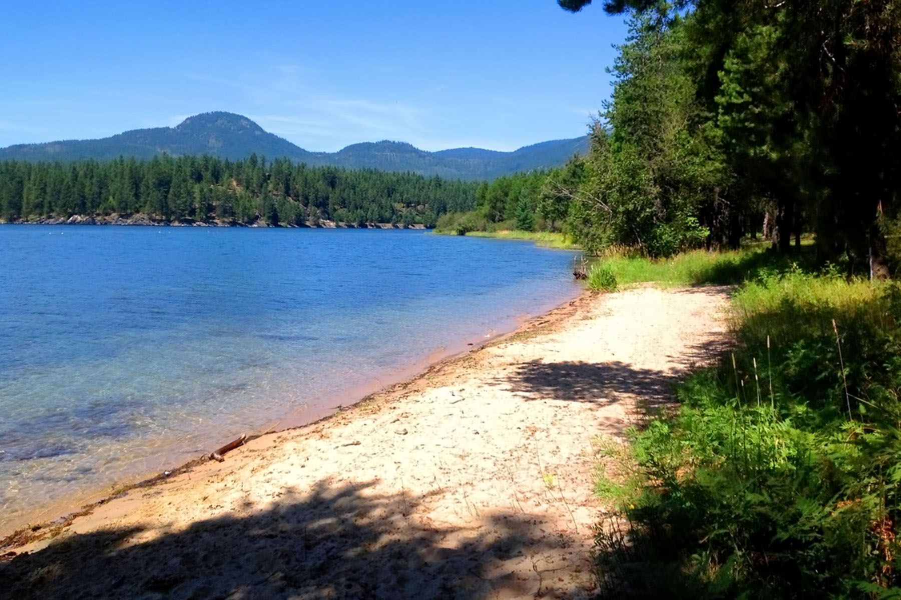 Land for Sale at Sandy Beach Waterfront Oasis 699 Gypsy Bay Rd Sagle, Idaho, 83860 United States