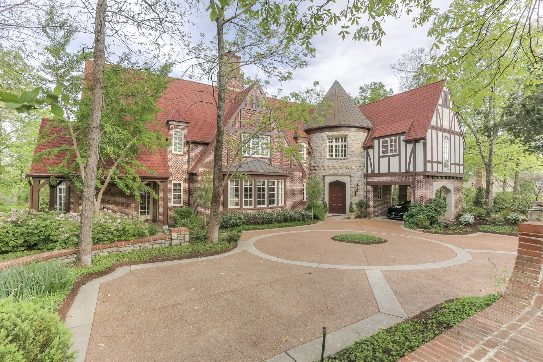 Single Family Home for Sale at Beautiful English Tudor 624 Westview Avenue Nashville, Tennessee 37205 United States