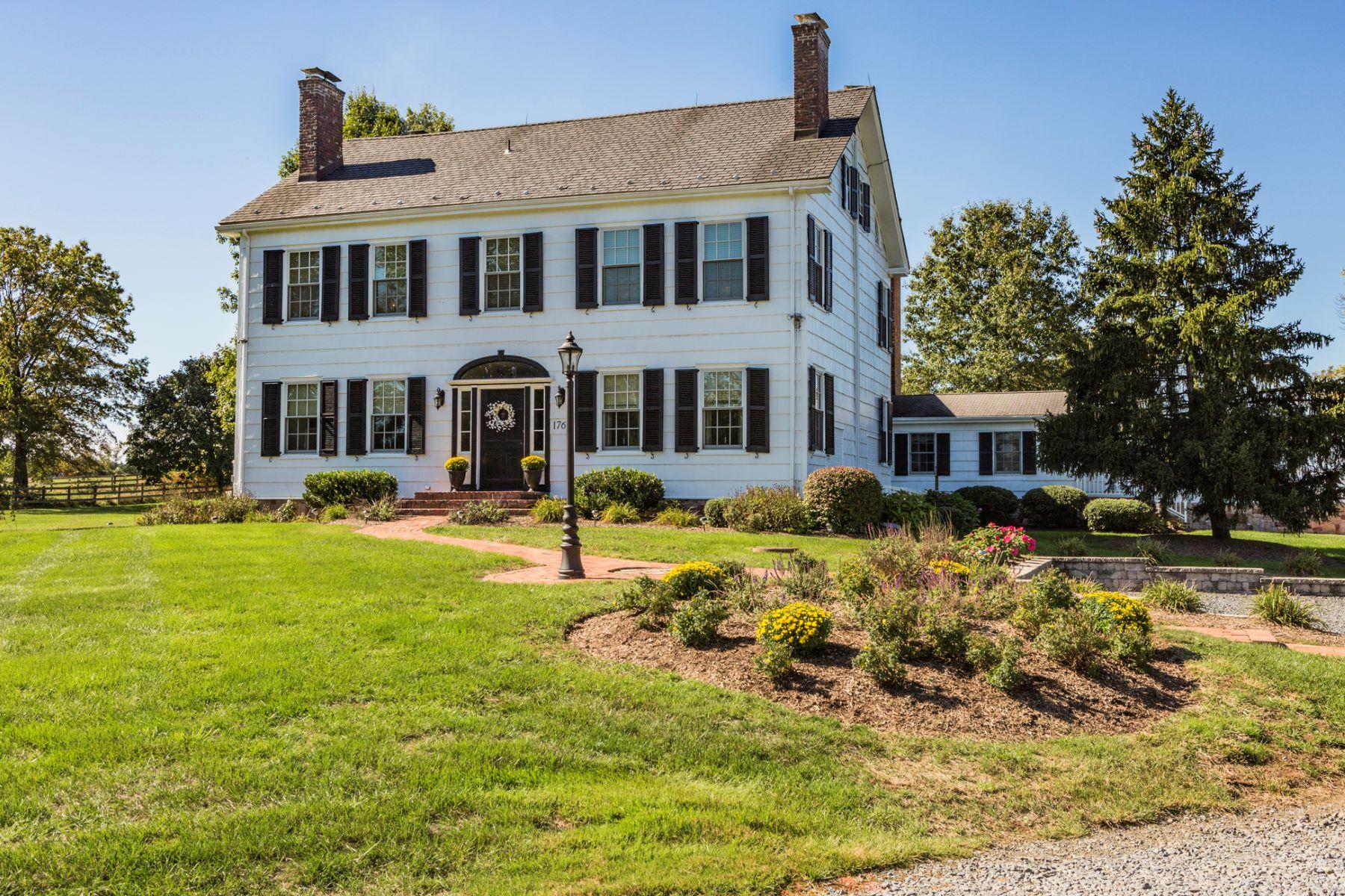 独户住宅 为 销售 在 An Enchanting Home 1760 Millstone River Road 希尔斯堡, 08844 美国