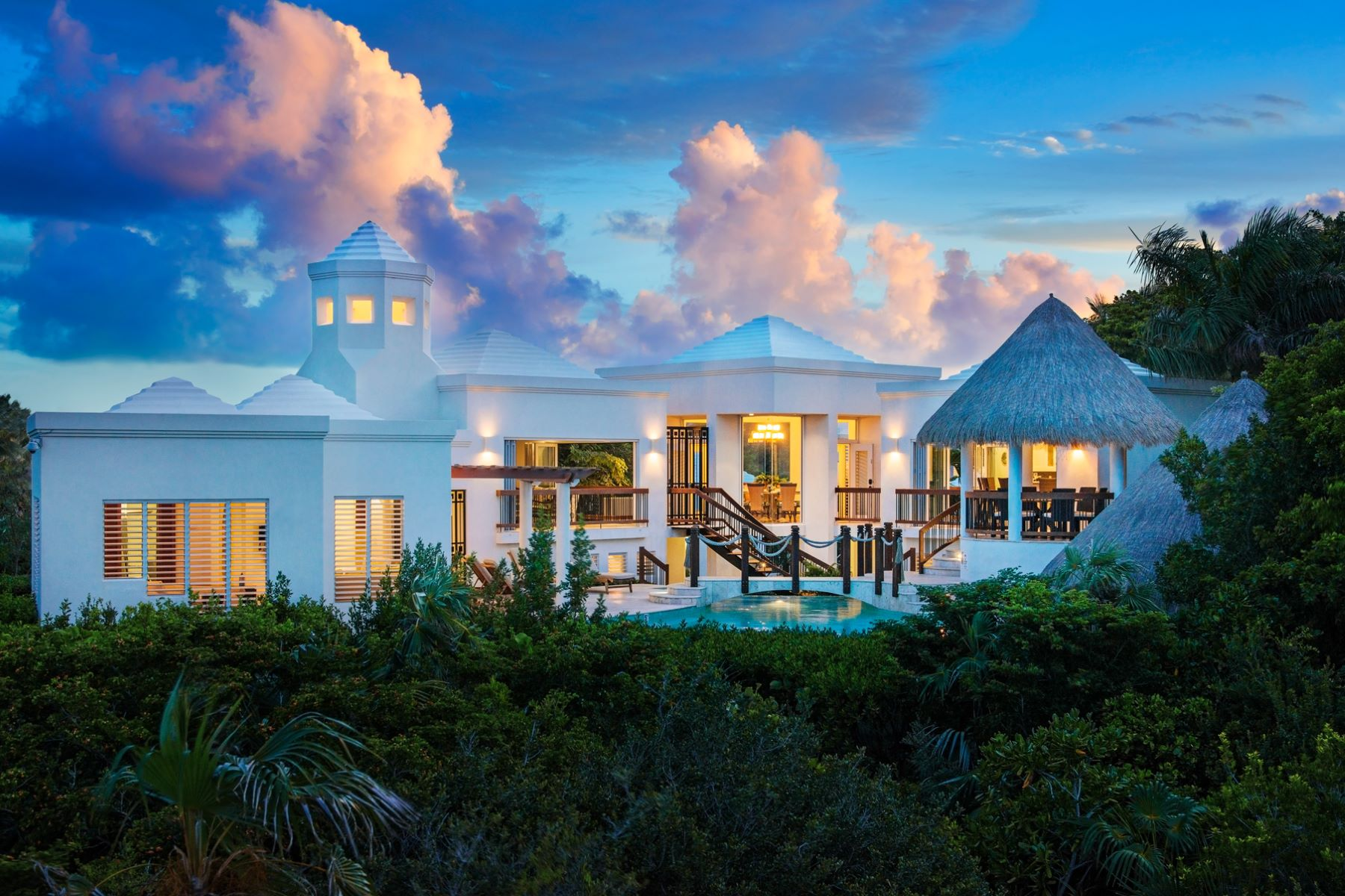 Single Family Home for Sale at Turtle Breeze Villa Beachfront Turtle Cove, Providenciales, TC Turks And Caicos Islands
